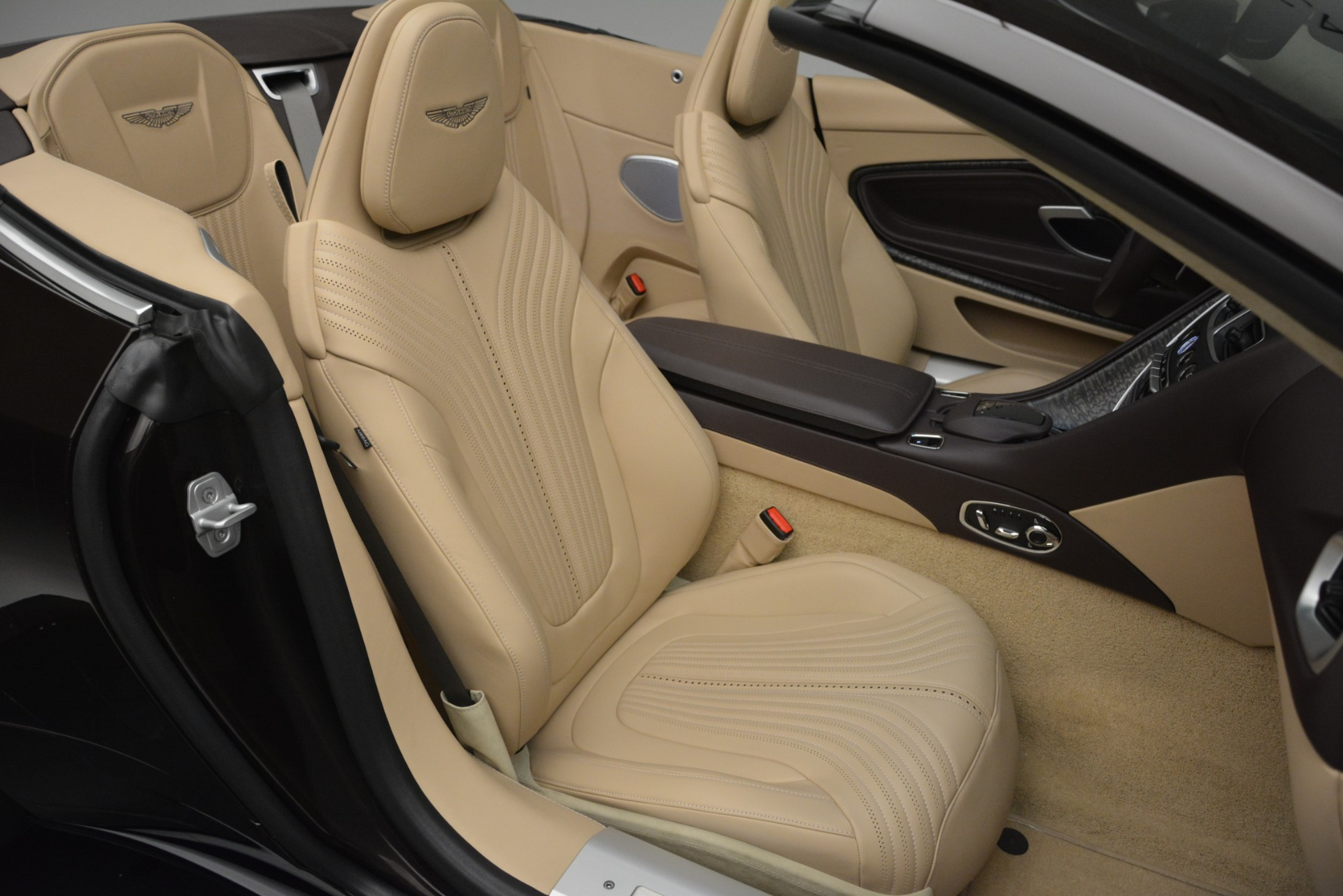 New 2019 Aston Martin DB11 V8 Convertible For Sale In Greenwich, CT. Alfa Romeo of Greenwich, A1338 2905_p34