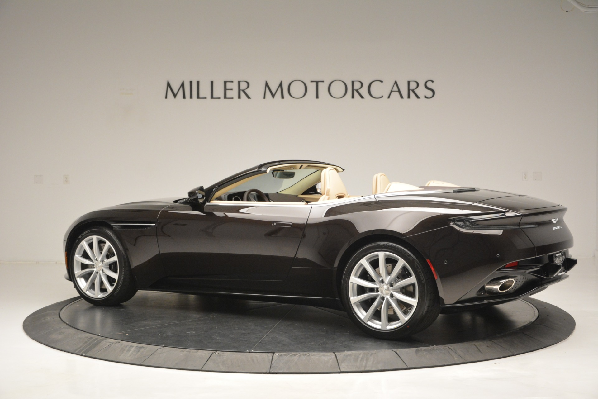 New 2019 Aston Martin DB11 V8 Convertible For Sale In Greenwich, CT. Alfa Romeo of Greenwich, A1338 2905_p4
