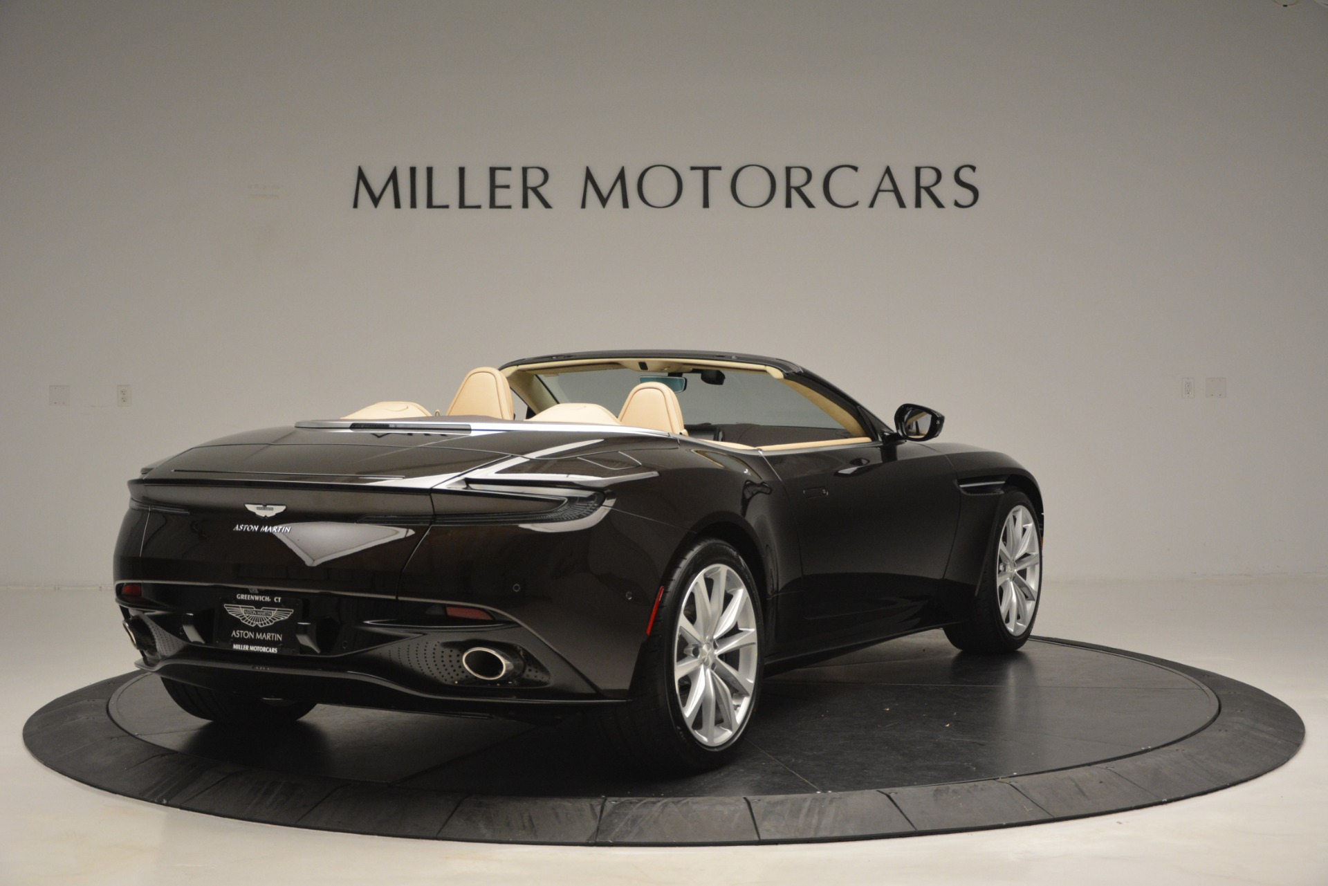 New 2019 Aston Martin DB11 V8 Convertible For Sale In Greenwich, CT. Alfa Romeo of Greenwich, A1338 2905_p7