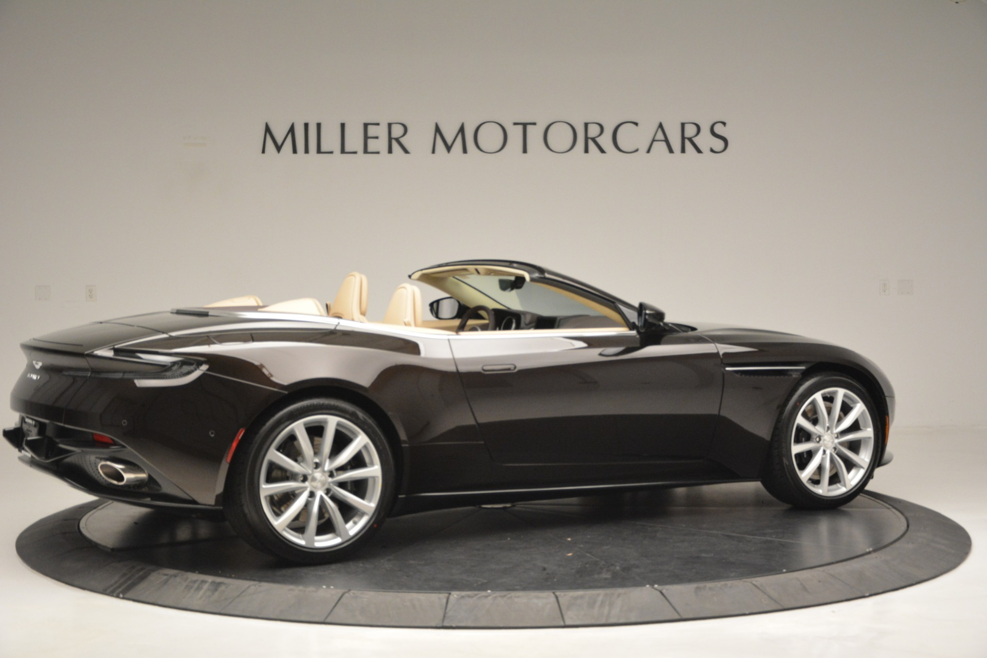 New 2019 Aston Martin DB11 V8 Convertible For Sale In Greenwich, CT. Alfa Romeo of Greenwich, A1338 2905_p8