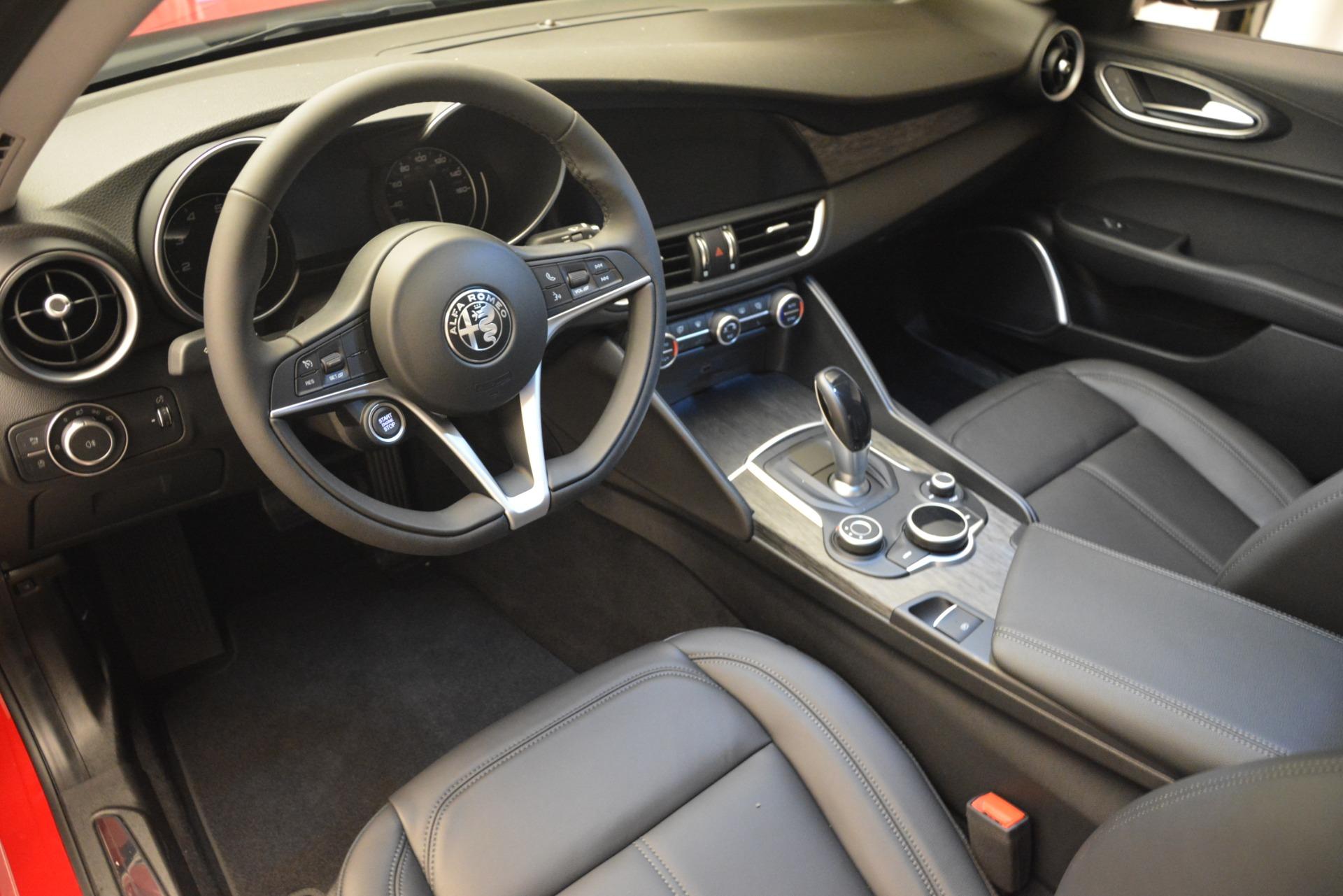 New 2019 Alfa Romeo Giulia Q4 For Sale In Greenwich, CT. Alfa Romeo of Greenwich, LW302 2906_p13