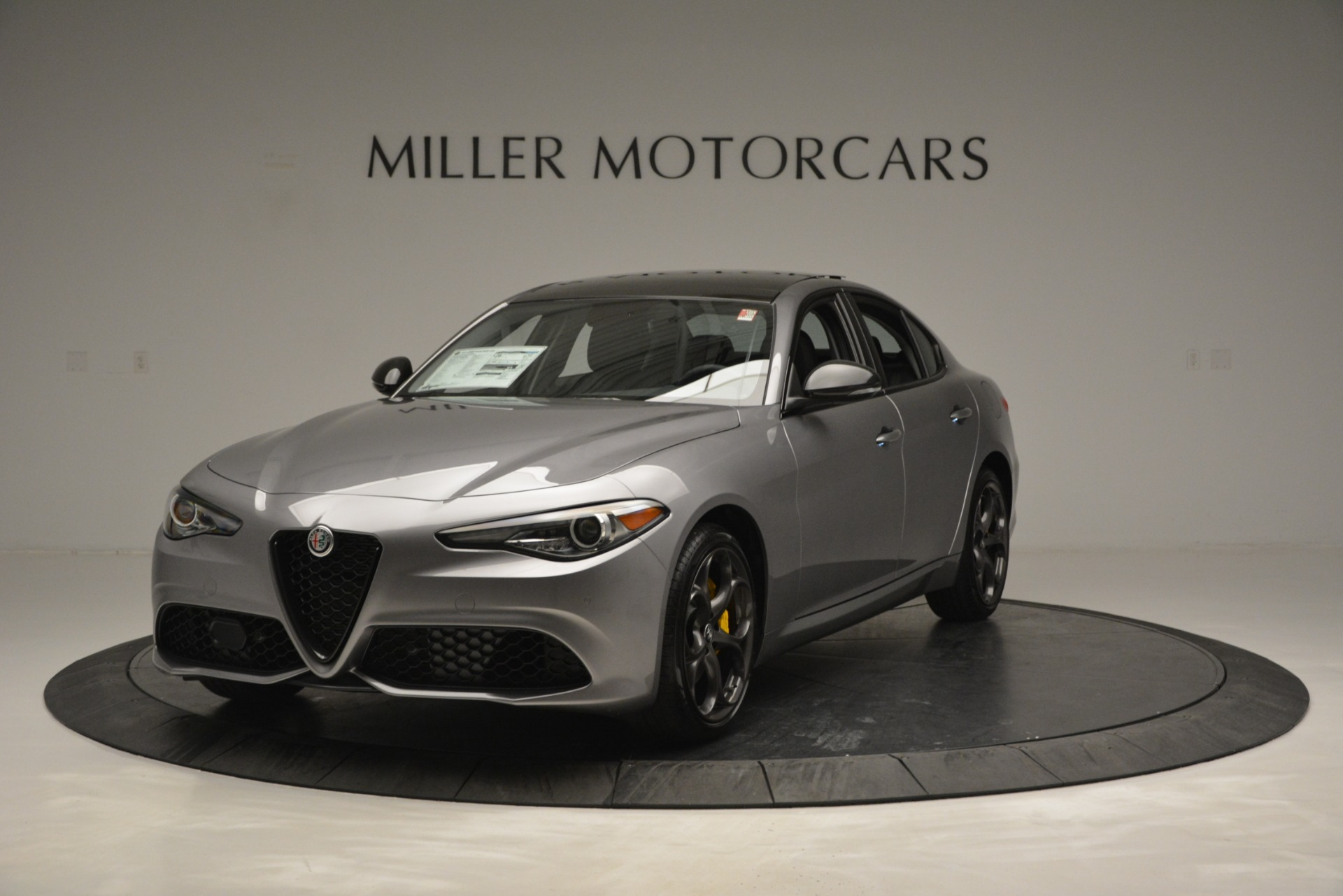 New 2019 Alfa Romeo Giulia Sport Q4 For Sale In Greenwich, CT. Alfa Romeo of Greenwich, LW303 2907_main