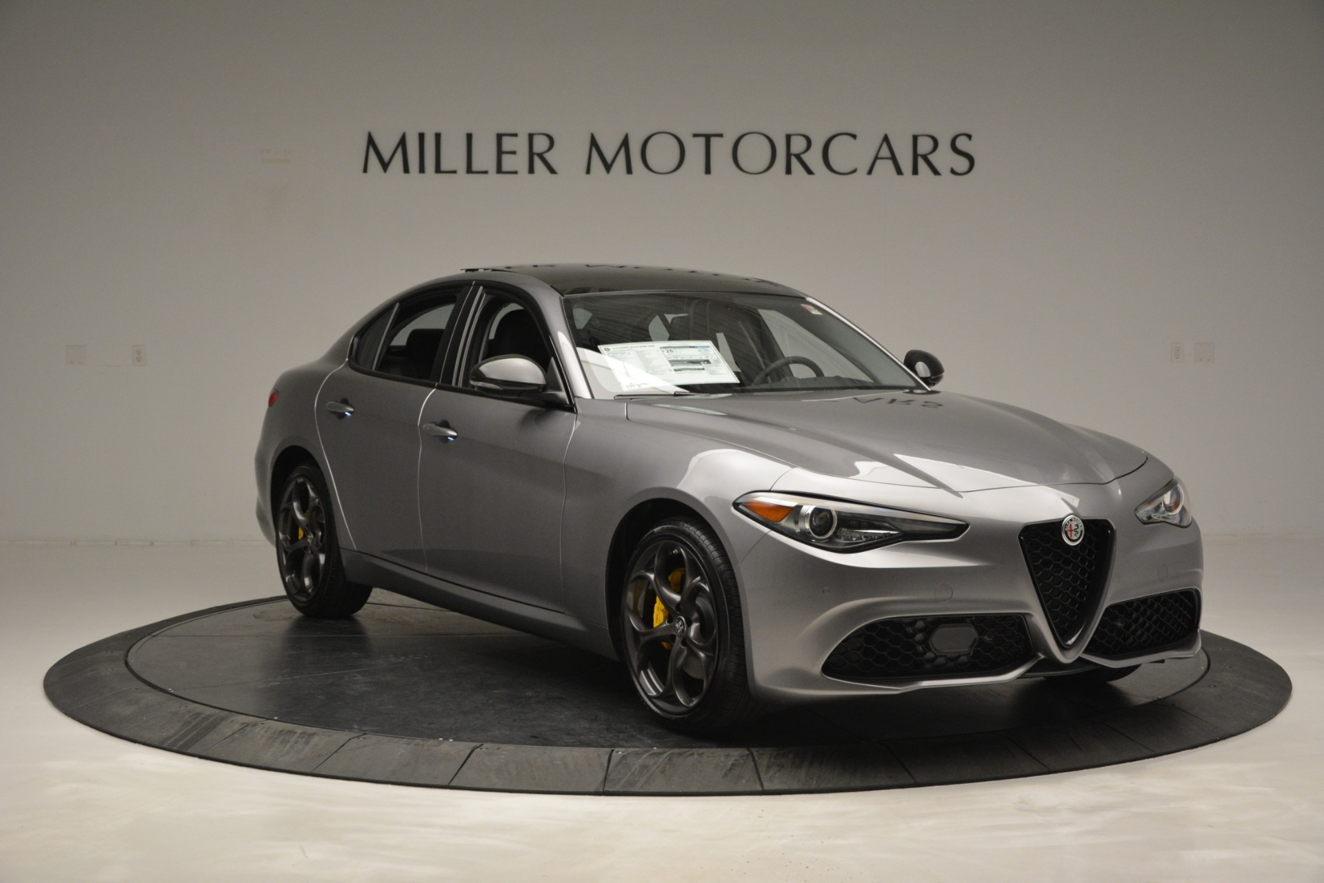 New 2019 Alfa Romeo Giulia Sport Q4 For Sale In Greenwich, CT. Alfa Romeo of Greenwich, LW303 2907_p11