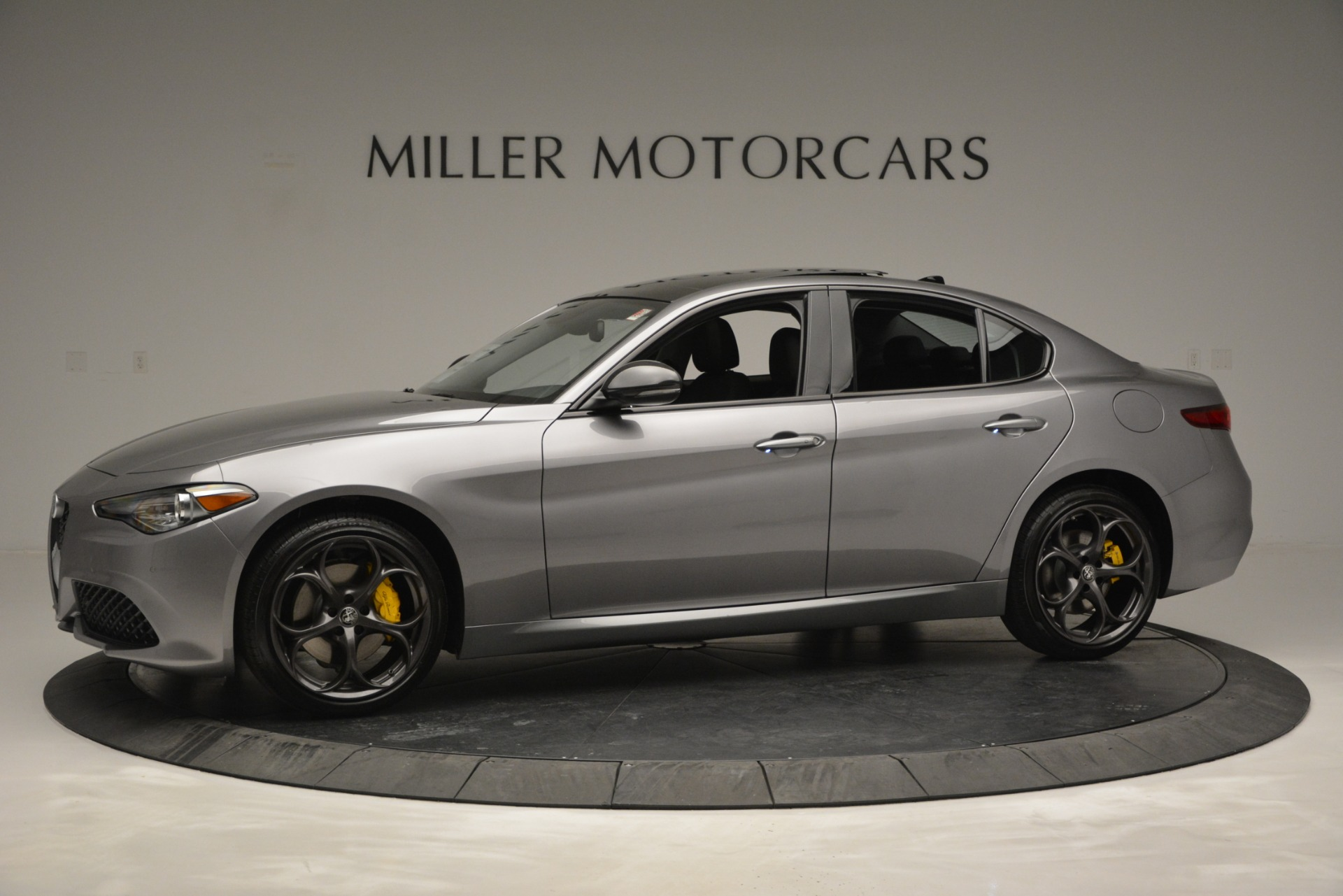 New 2019 Alfa Romeo Giulia Sport Q4 For Sale In Greenwich, CT. Alfa Romeo of Greenwich, LW303 2907_p2