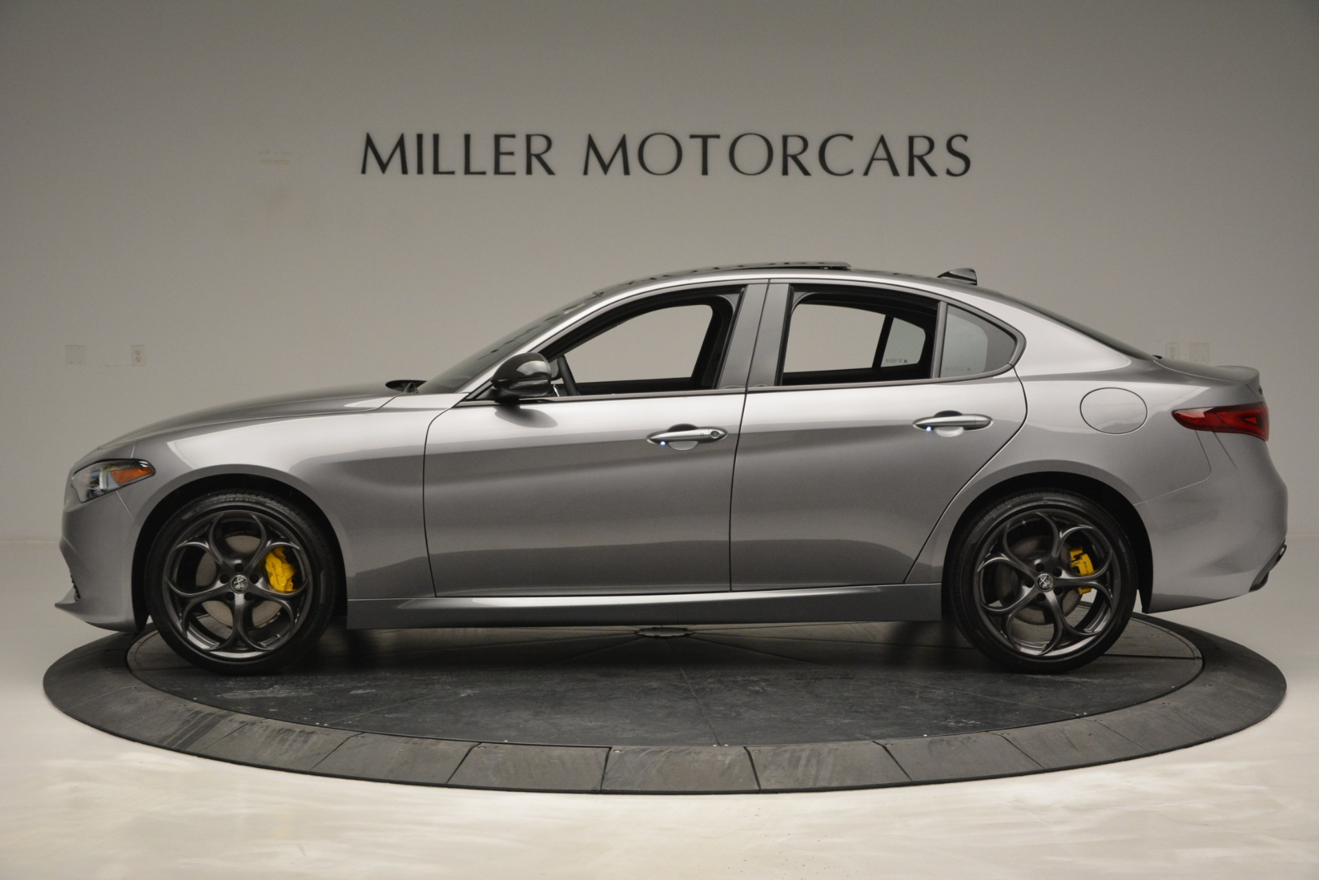 New 2019 Alfa Romeo Giulia Sport Q4 For Sale In Greenwich, CT. Alfa Romeo of Greenwich, LW303 2907_p3