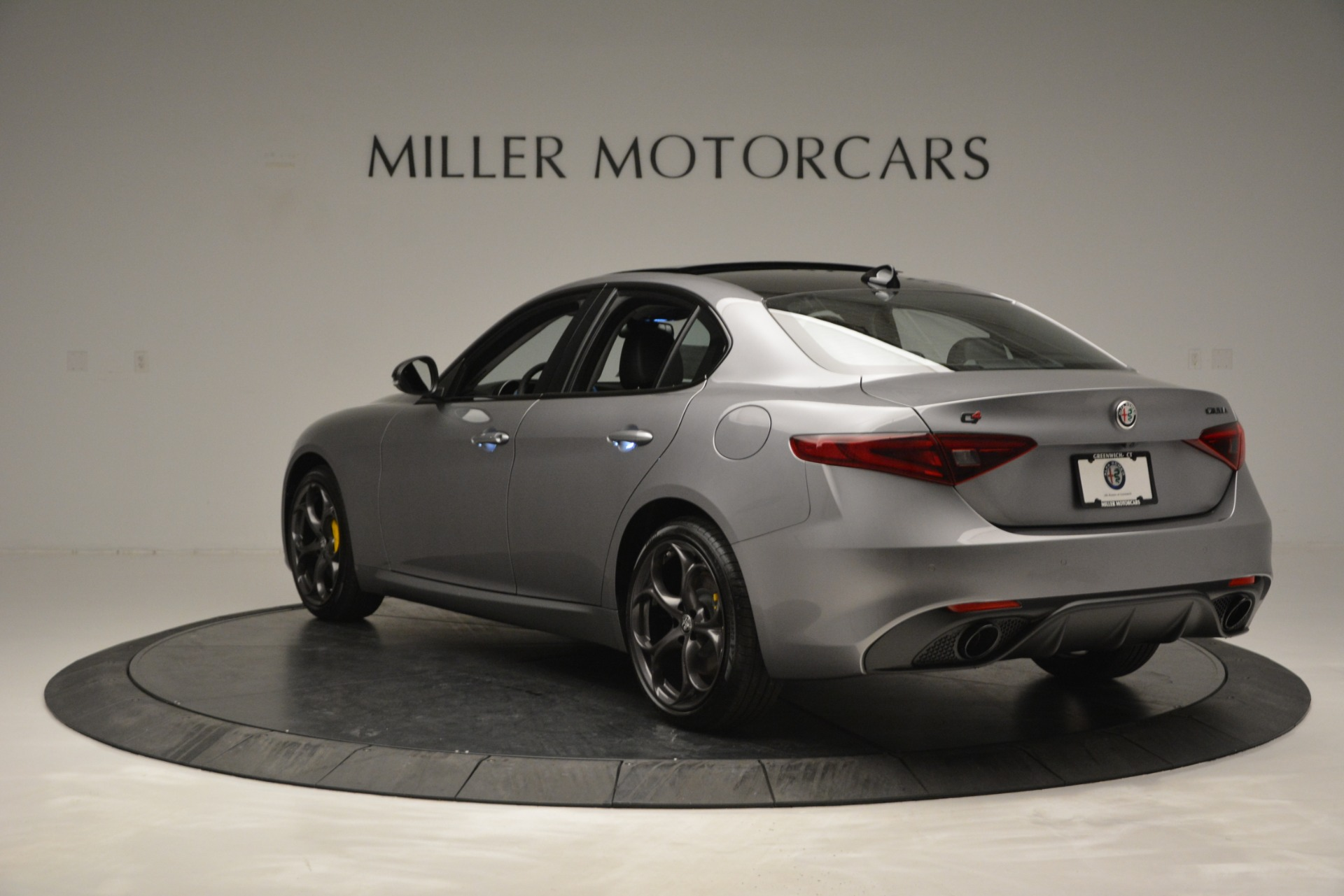 New 2019 Alfa Romeo Giulia Sport Q4 For Sale In Greenwich, CT. Alfa Romeo of Greenwich, LW303 2907_p5