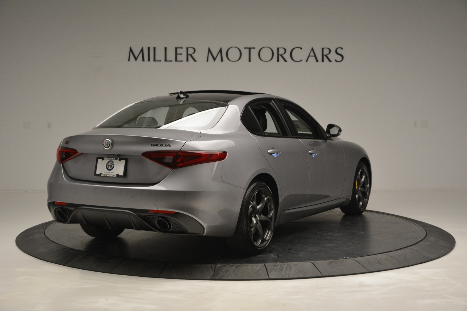 New 2019 Alfa Romeo Giulia Sport Q4 For Sale In Greenwich, CT. Alfa Romeo of Greenwich, LW303 2907_p7