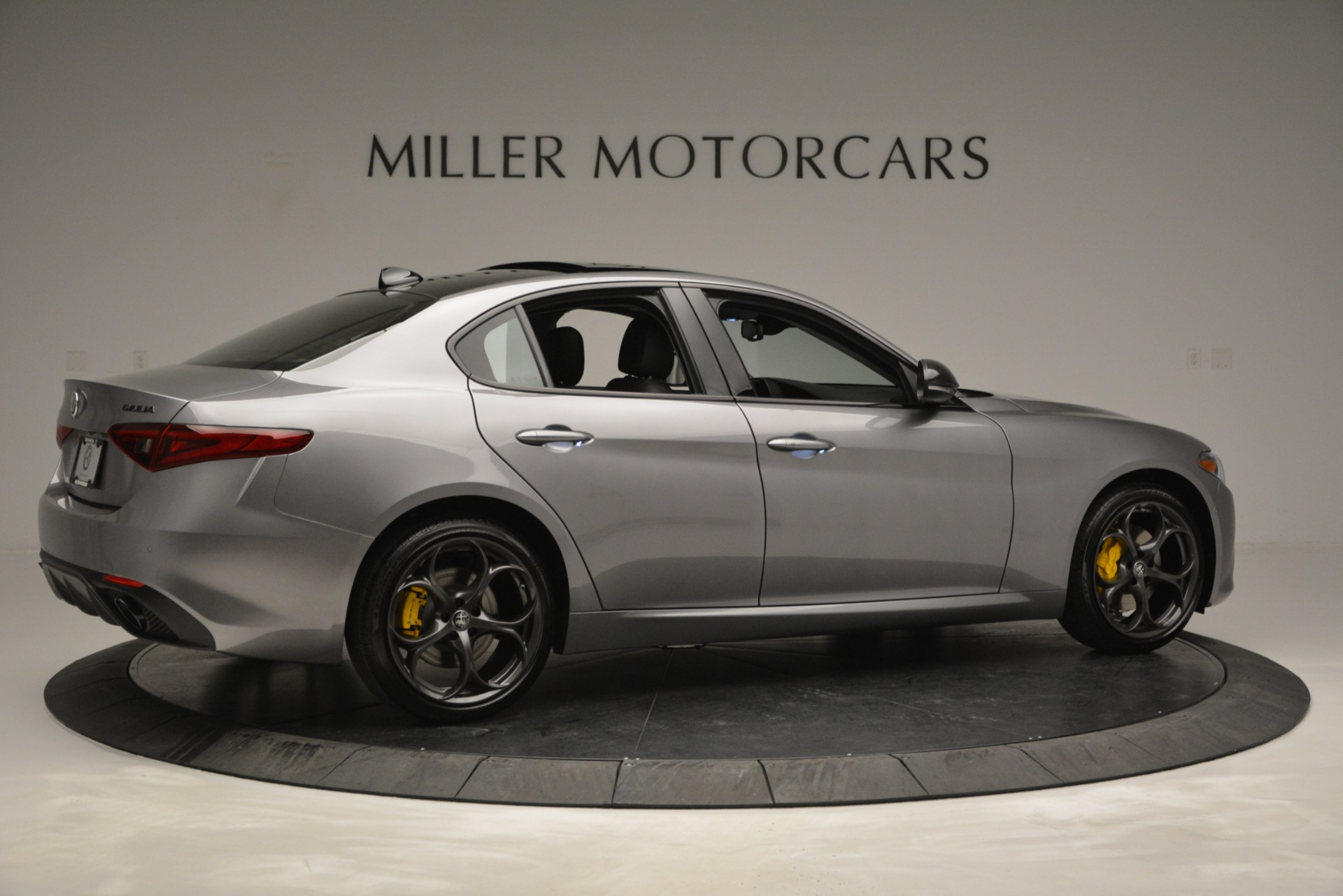 New 2019 Alfa Romeo Giulia Sport Q4 For Sale In Greenwich, CT. Alfa Romeo of Greenwich, LW303 2907_p8