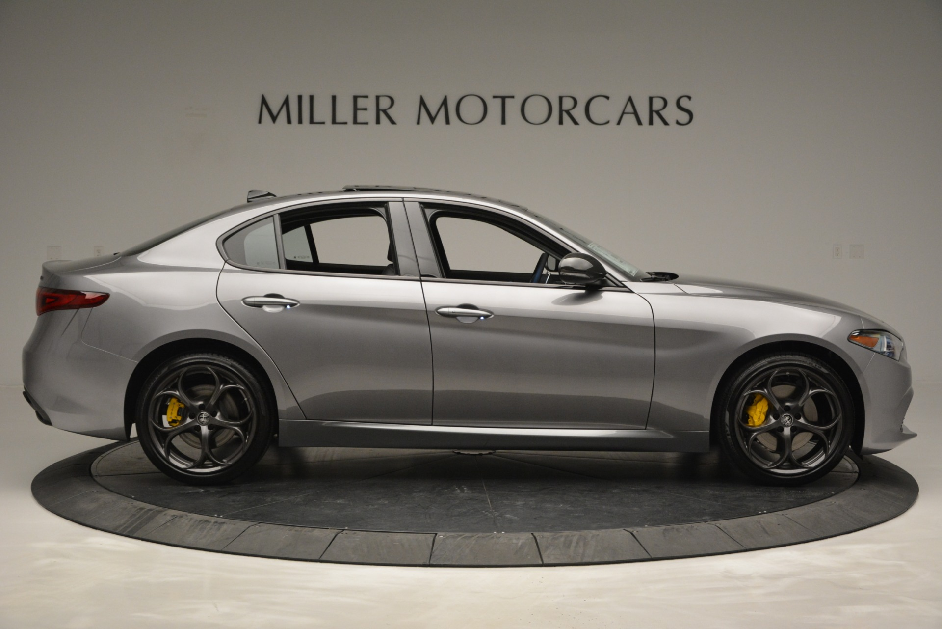 New 2019 Alfa Romeo Giulia Sport Q4 For Sale In Greenwich, CT. Alfa Romeo of Greenwich, LW303 2907_p9