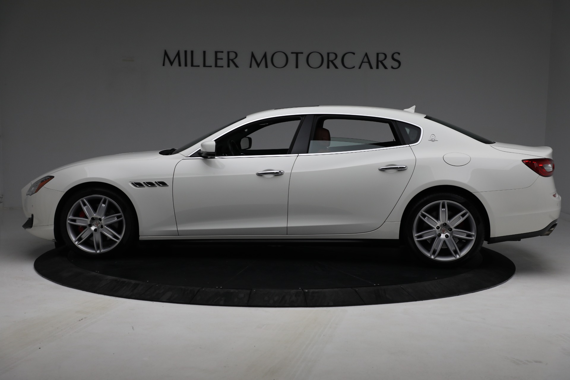 Used 2015 Maserati Quattroporte S Q4 For Sale In Greenwich, CT. Alfa Romeo of Greenwich, 7469 2915_p3