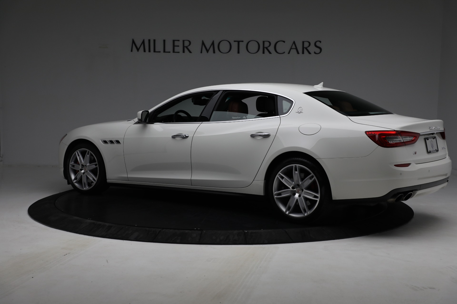Used 2015 Maserati Quattroporte S Q4 For Sale In Greenwich, CT. Alfa Romeo of Greenwich, 7469 2915_p4