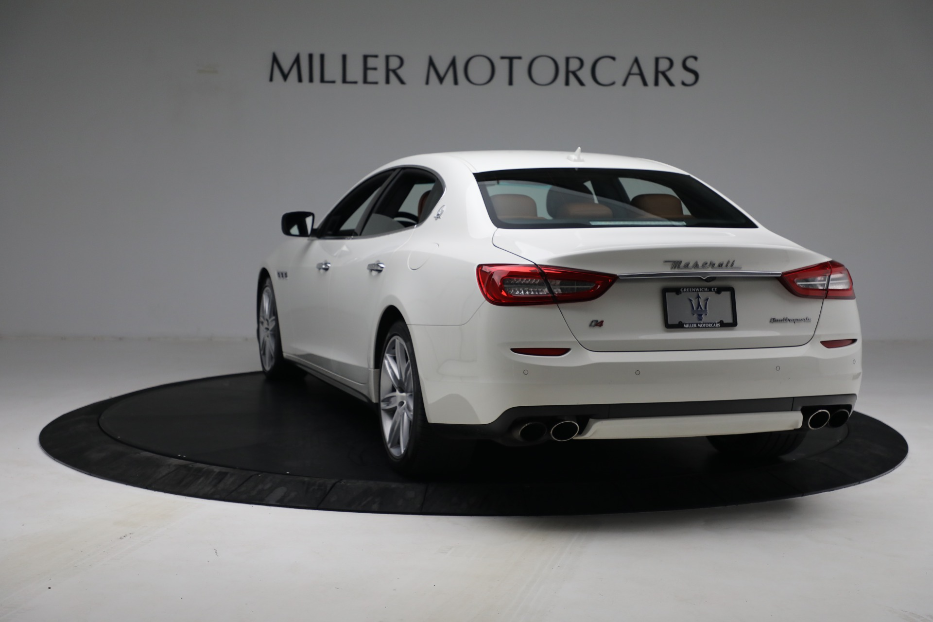 Used 2015 Maserati Quattroporte S Q4 For Sale In Greenwich, CT. Alfa Romeo of Greenwich, 7469 2915_p5