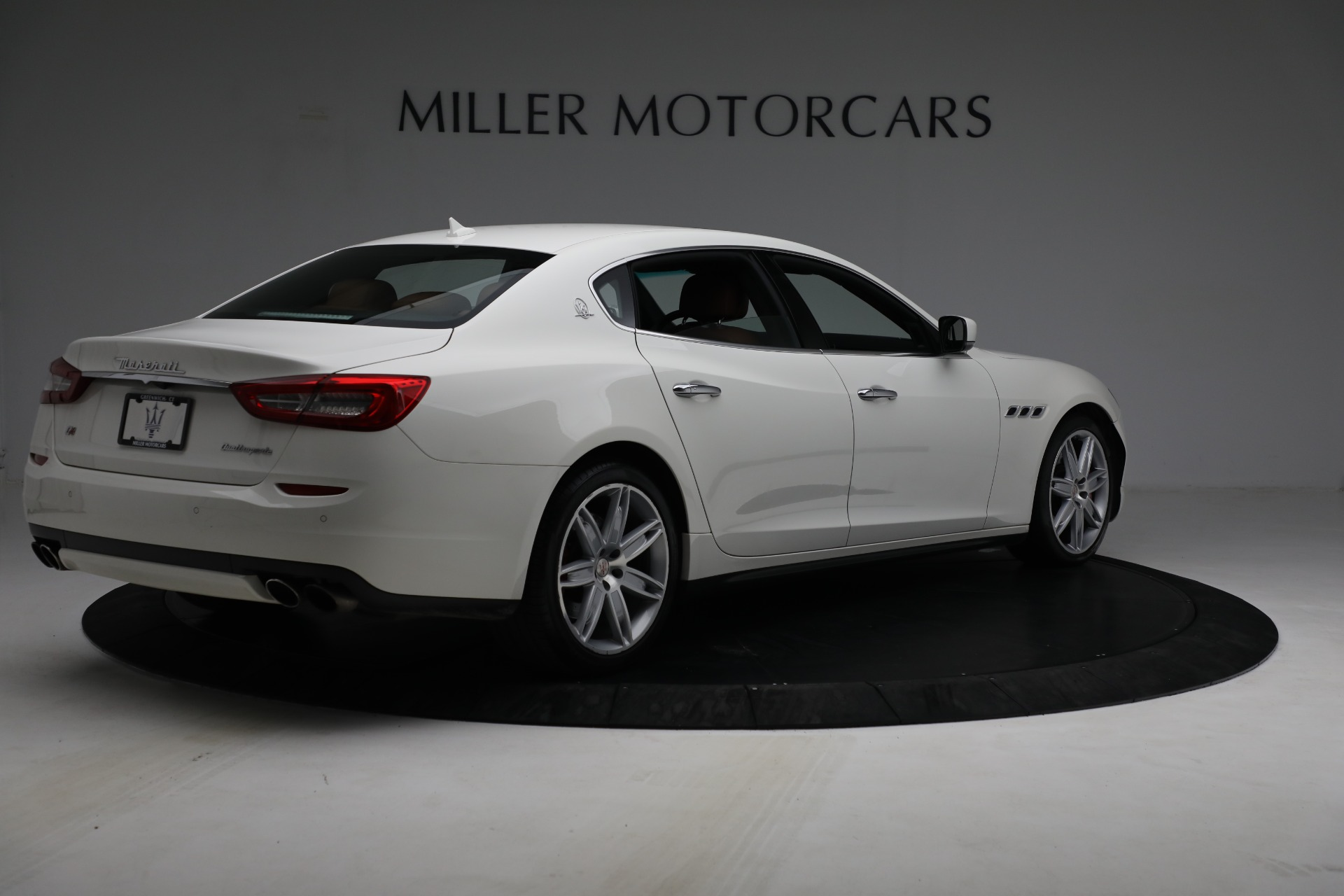 Used 2015 Maserati Quattroporte S Q4 For Sale In Greenwich, CT. Alfa Romeo of Greenwich, 7469 2915_p7