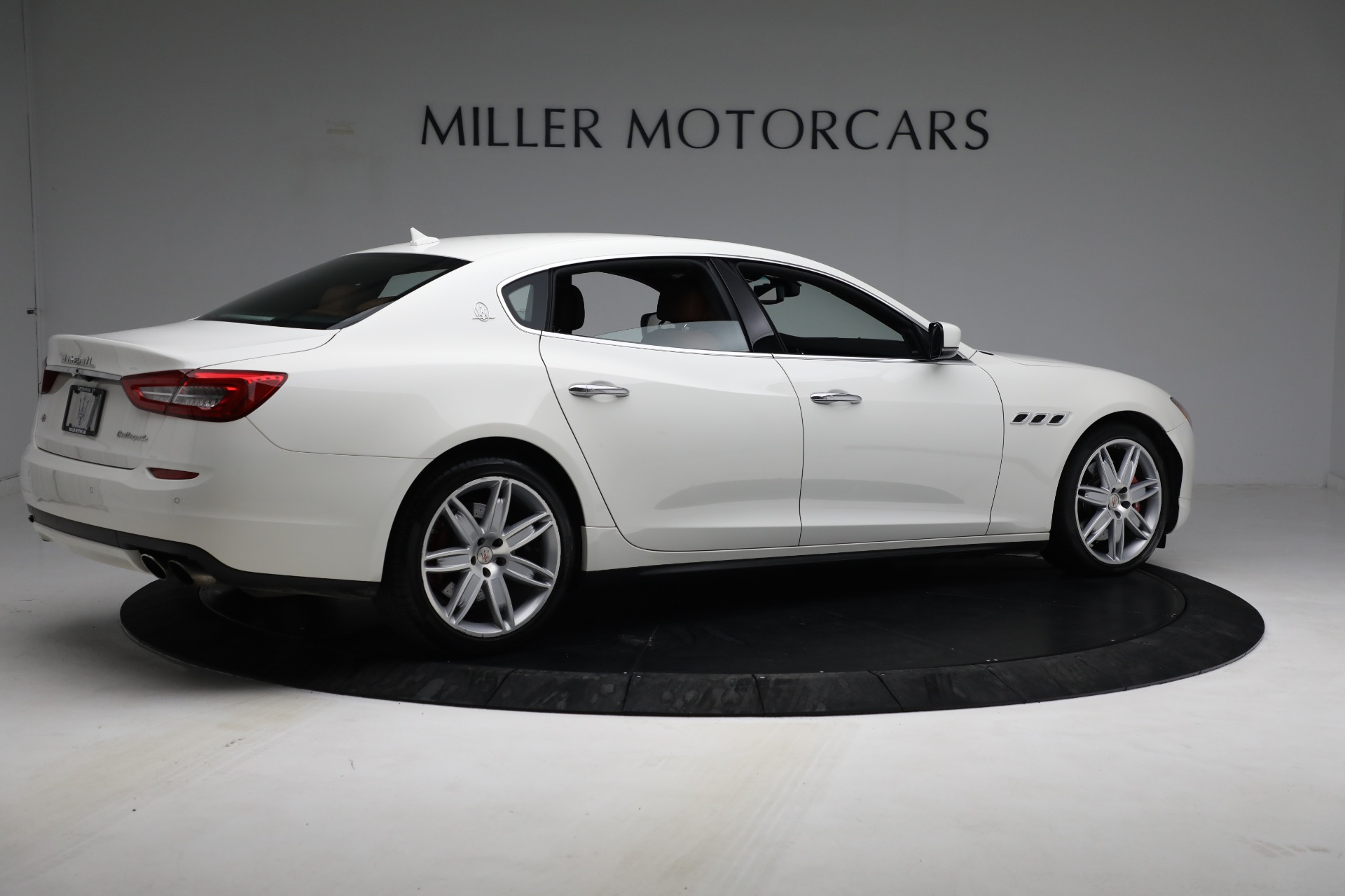 Used 2015 Maserati Quattroporte S Q4 For Sale In Greenwich, CT. Alfa Romeo of Greenwich, 7469 2915_p8