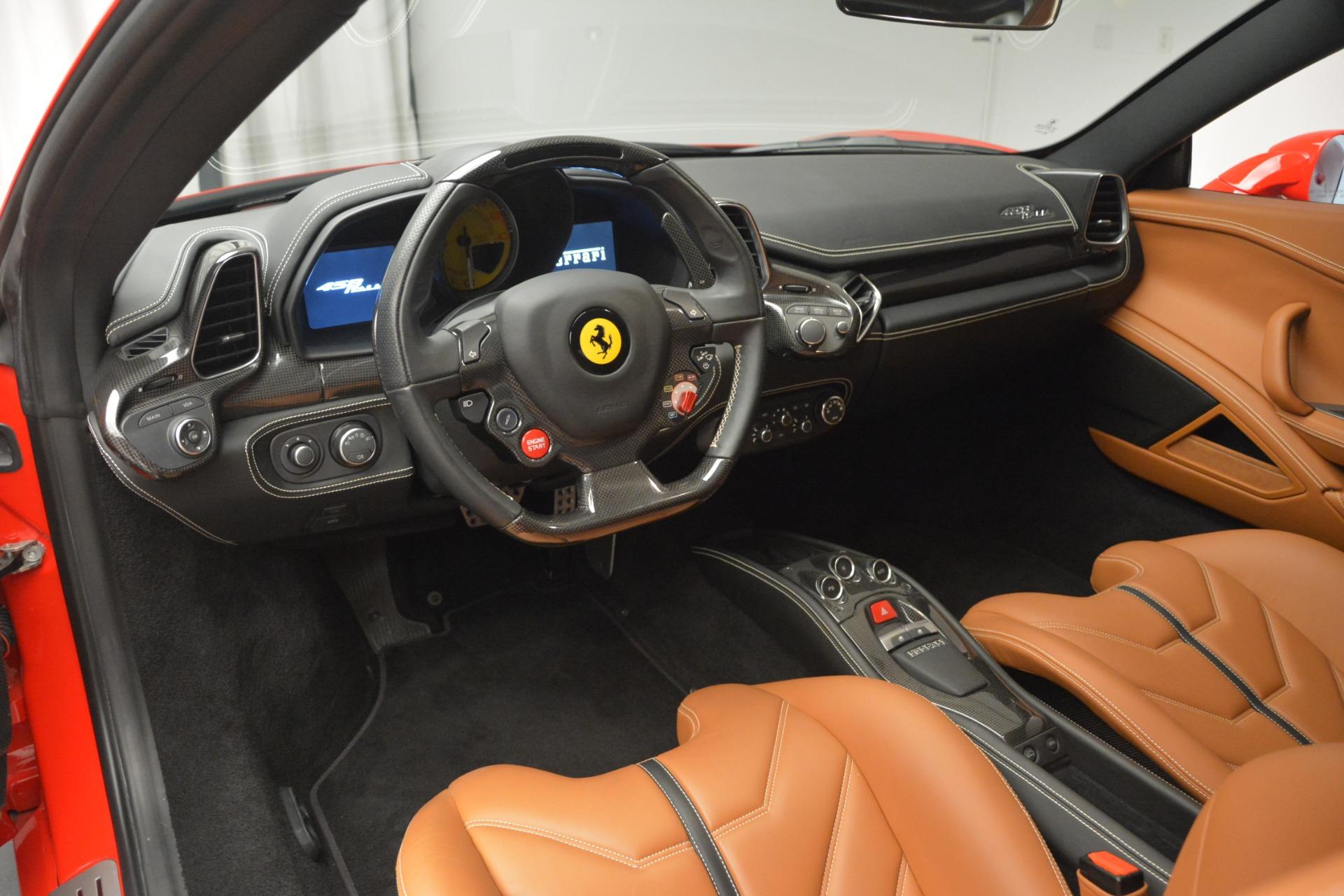 Used 2014 Ferrari 458 Italia  For Sale In Greenwich, CT. Alfa Romeo of Greenwich, 4530 2920_p13