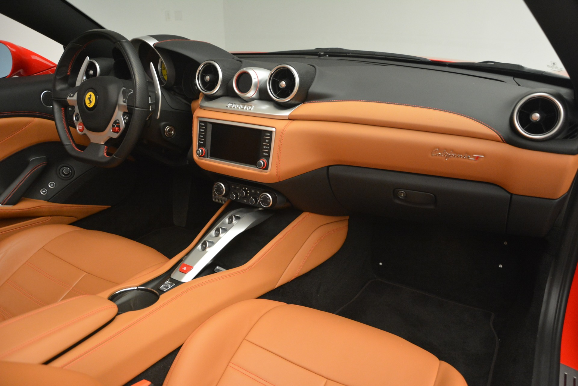 Used 2016 Ferrari California T Handling Speciale For Sale In Greenwich, CT. Alfa Romeo of Greenwich, F1937A 2921_p29