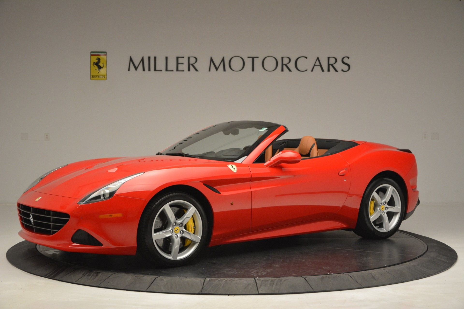 Used 2016 Ferrari California T Handling Speciale For Sale In Greenwich, CT. Alfa Romeo of Greenwich, F1937A 2921_p2