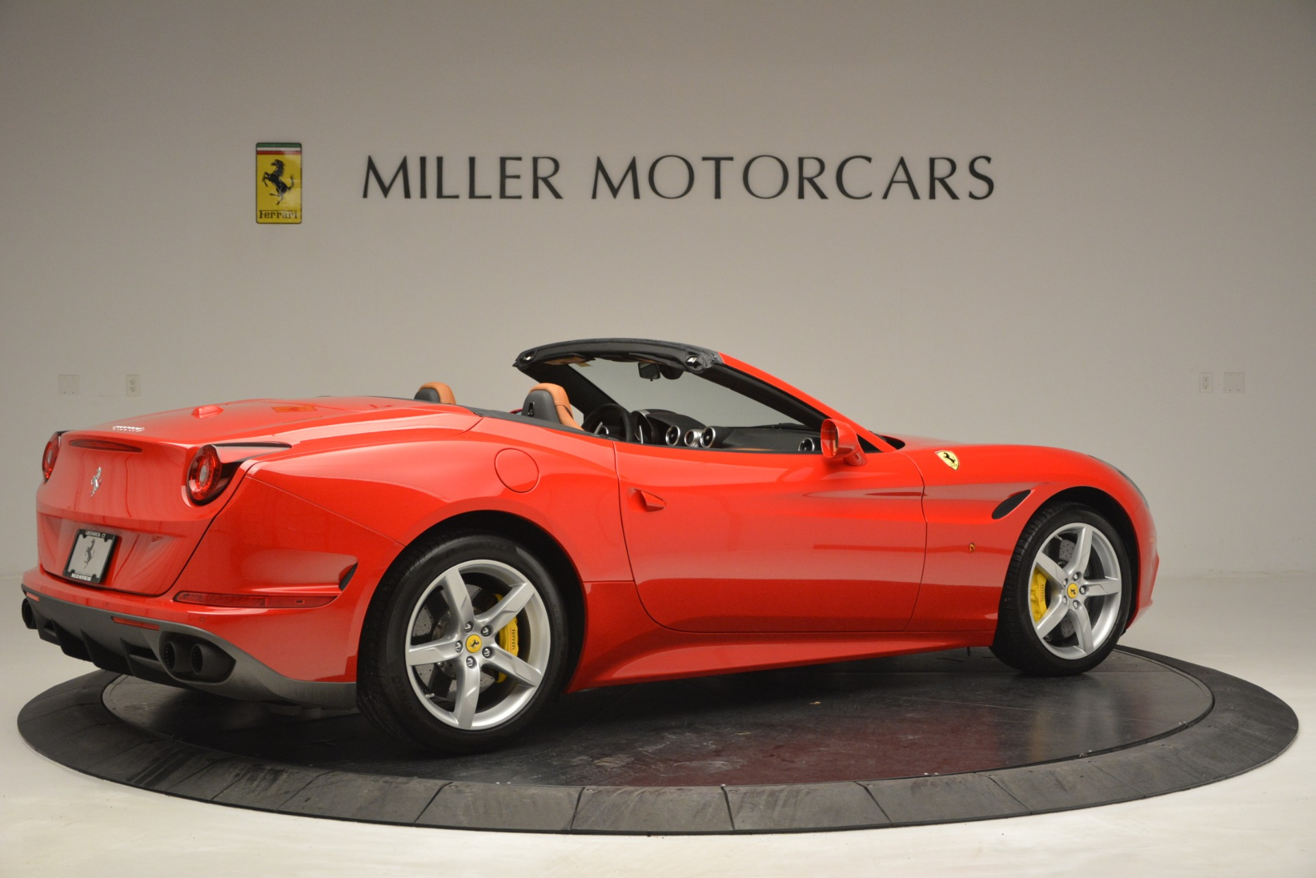 Used 2016 Ferrari California T Handling Speciale For Sale In Greenwich, CT. Alfa Romeo of Greenwich, F1937A 2921_p8