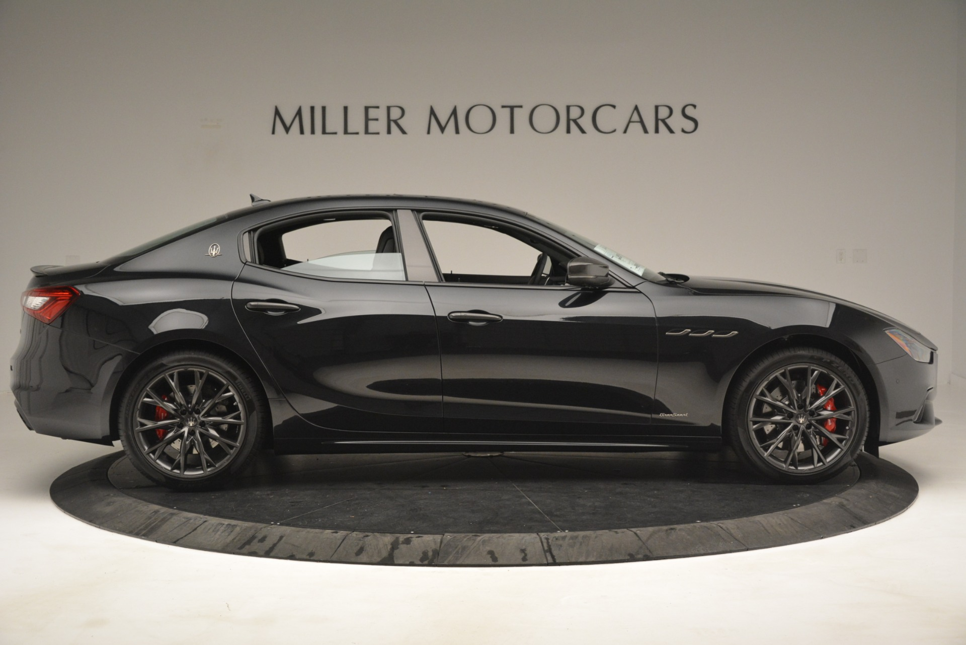 New 2019 Maserati Ghibli S Q4 GranSport For Sale In Greenwich, CT. Alfa Romeo of Greenwich, W667 2924_p9