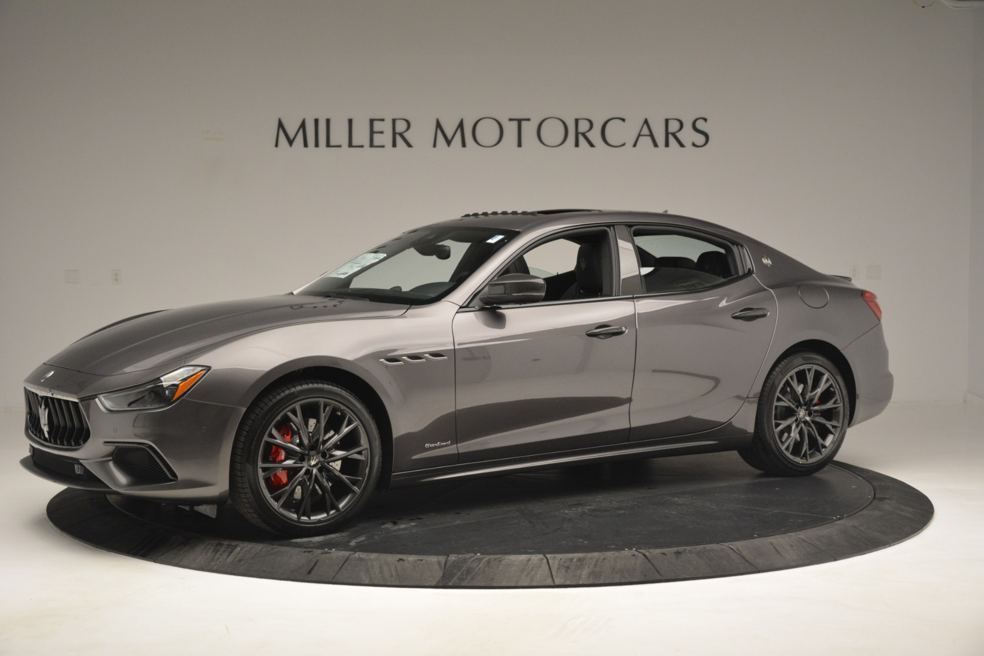 New 2019 Maserati Ghibli S Q4 GranSport For Sale In Greenwich, CT. Alfa Romeo of Greenwich, W670 2925_p2