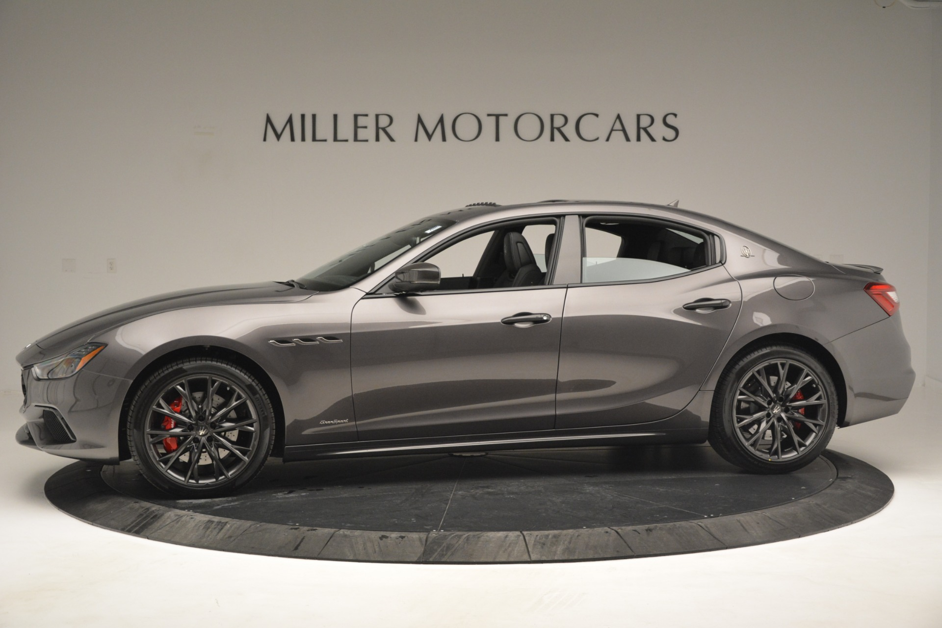 New 2019 Maserati Ghibli S Q4 GranSport For Sale In Greenwich, CT. Alfa Romeo of Greenwich, W670 2925_p3
