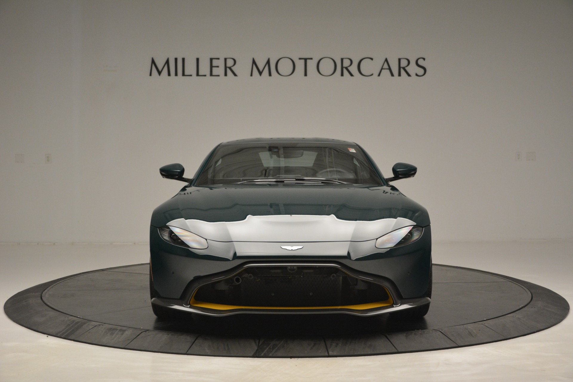 Used 2019 Aston Martin Vantage Coupe For Sale In Greenwich, CT. Alfa Romeo of Greenwich, A1347 2929_p12