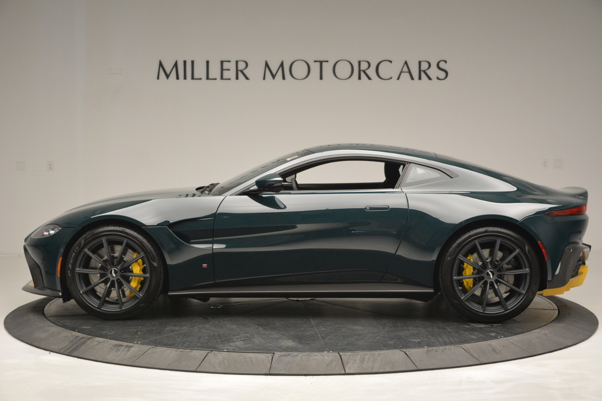 Used 2019 Aston Martin Vantage Coupe For Sale In Greenwich, CT. Alfa Romeo of Greenwich, A1347 2929_p3