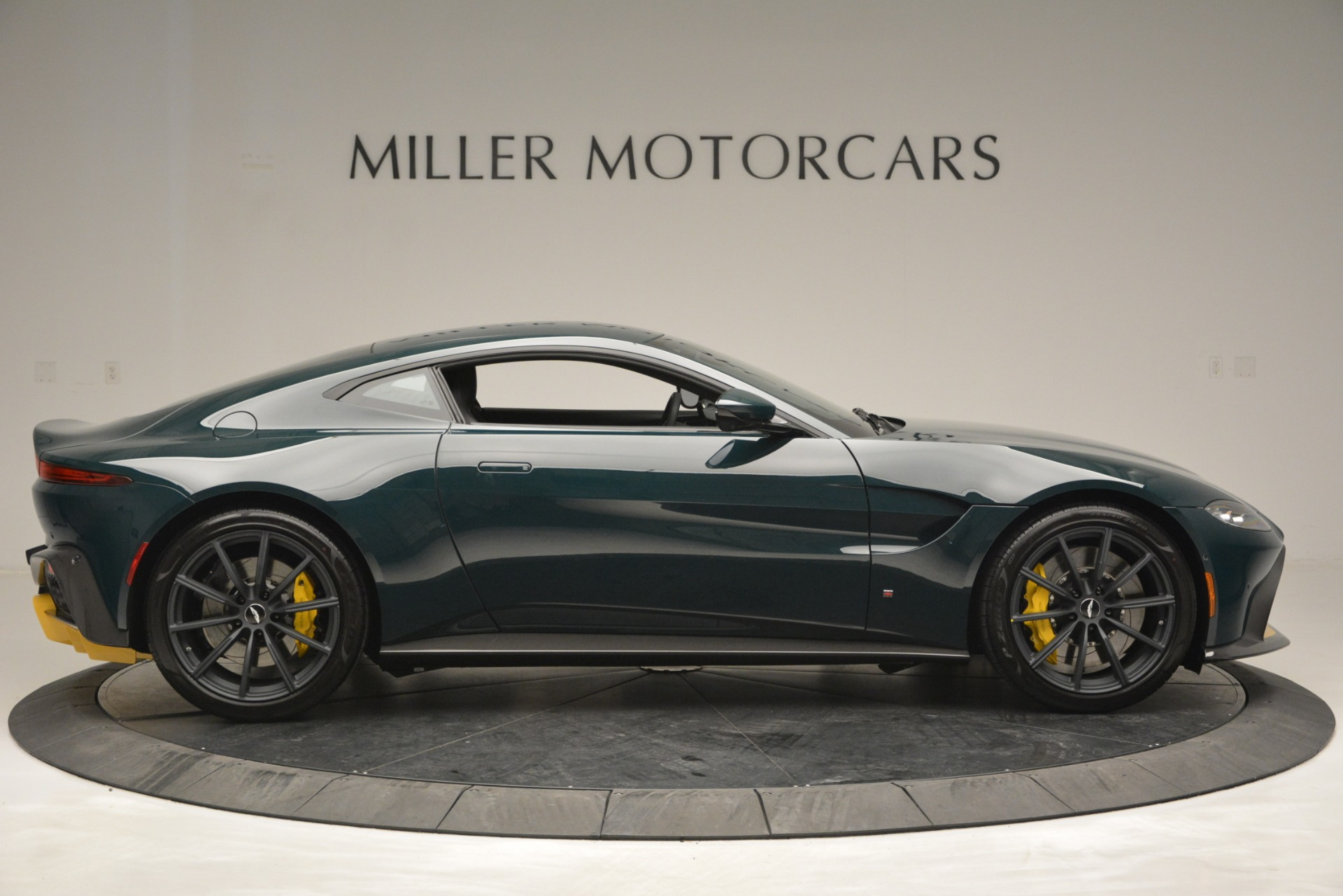 Used 2019 Aston Martin Vantage Coupe For Sale In Greenwich, CT. Alfa Romeo of Greenwich, A1347 2929_p9