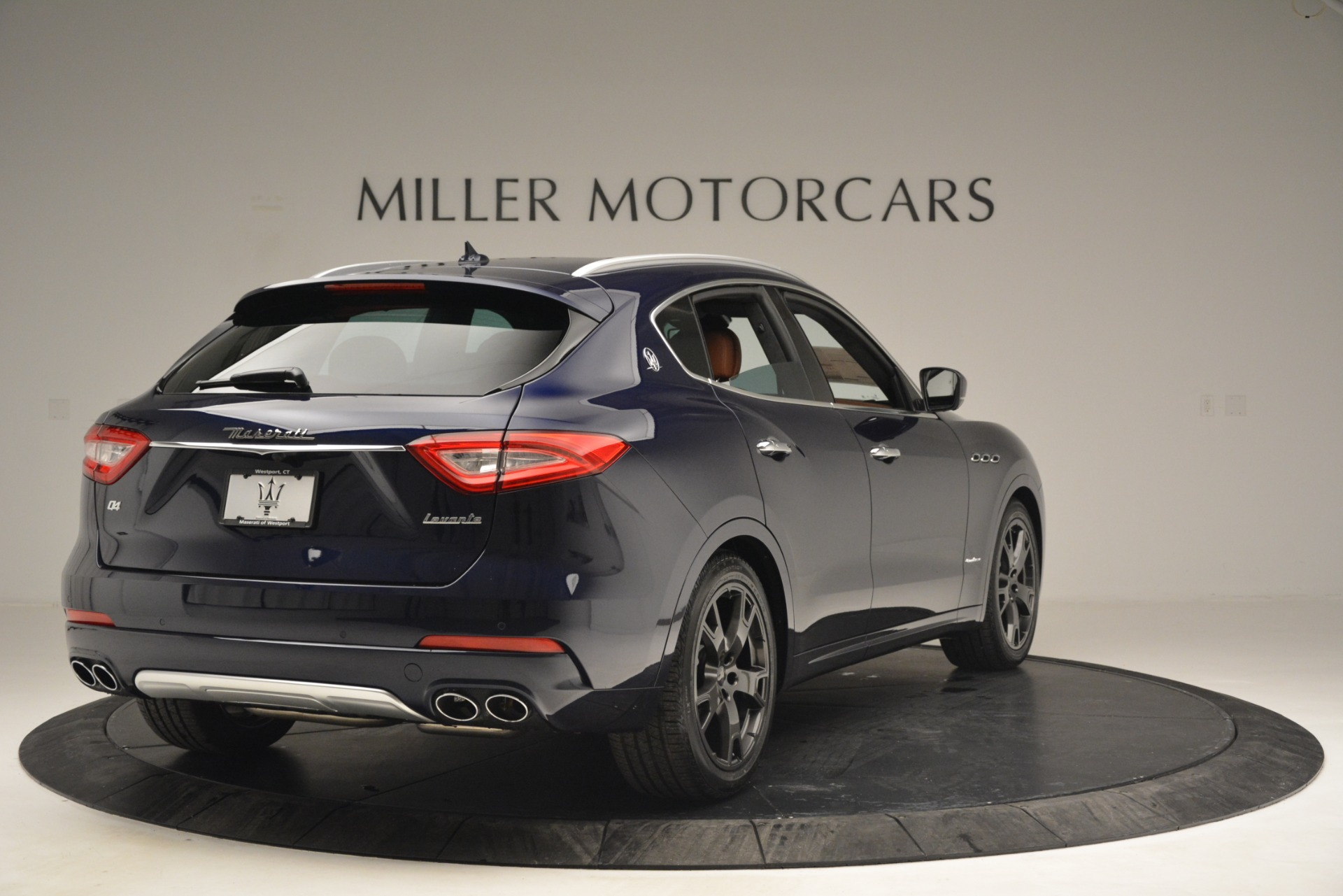 New 2019 Maserati Levante Q4 GranLusso For Sale In Greenwich, CT. Alfa Romeo of Greenwich, W671 2933_p8