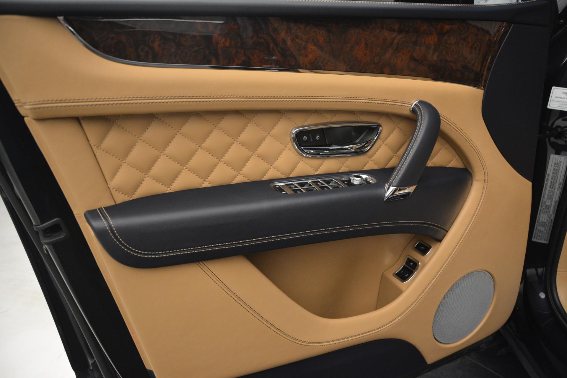 Used 2017 Bentley Bentayga W12 For Sale In Greenwich, CT. Alfa Romeo of Greenwich, 7474 2934_p16
