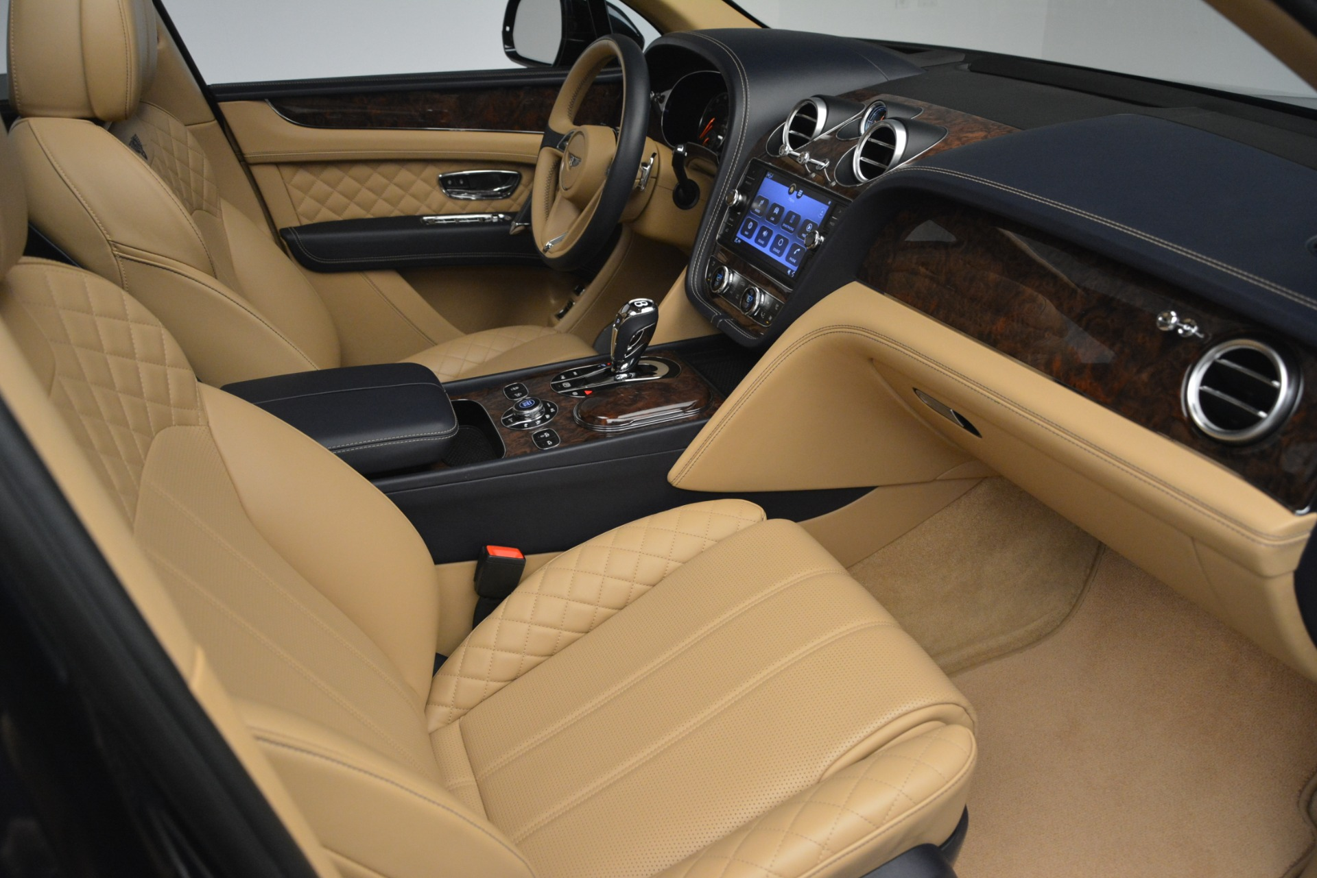 Used 2017 Bentley Bentayga W12 For Sale In Greenwich, CT. Alfa Romeo of Greenwich, 7474 2934_p25