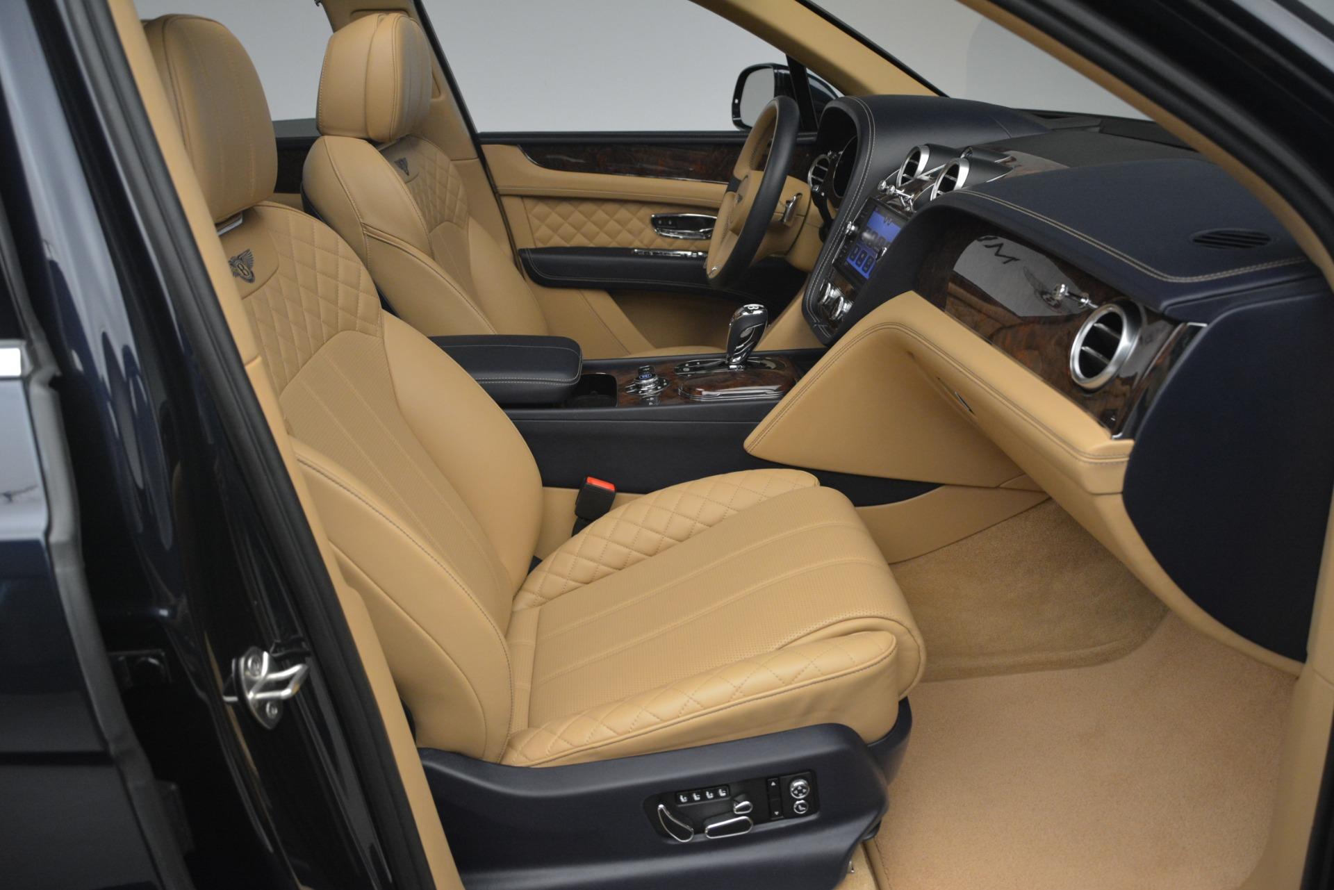 Used 2017 Bentley Bentayga W12 For Sale In Greenwich, CT. Alfa Romeo of Greenwich, 7474 2934_p26