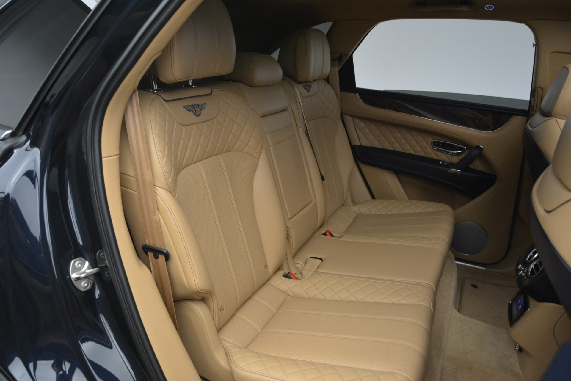 Used 2017 Bentley Bentayga W12 For Sale In Greenwich, CT. Alfa Romeo of Greenwich, 7474 2934_p29
