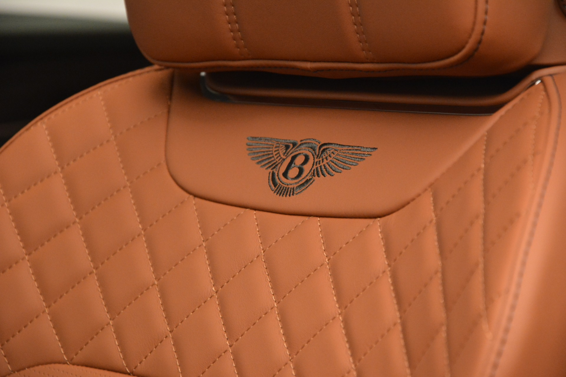 New 2019 Bentley Bentayga V8 For Sale In Greenwich, CT. Alfa Romeo of Greenwich, B1405 2936_p25