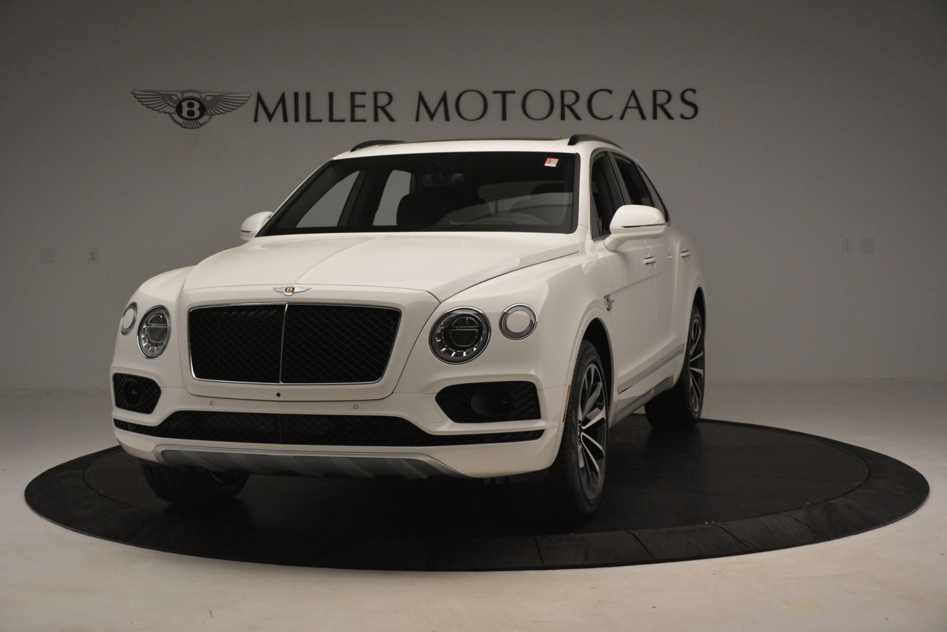 New 2019 Bentley Bentayga V8 For Sale In Greenwich, CT. Alfa Romeo of Greenwich, B1402 2937_main