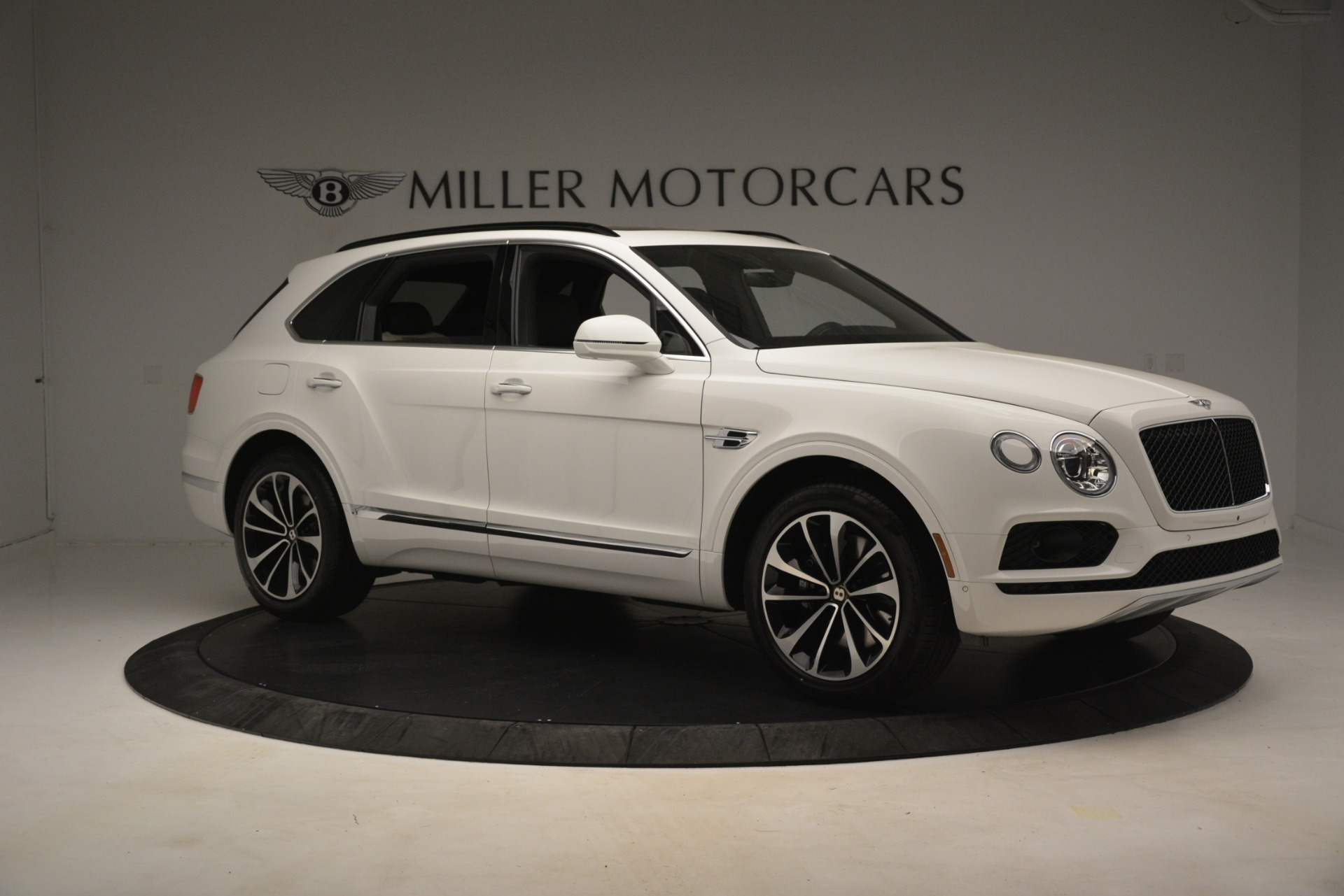 New 2019 Bentley Bentayga V8 For Sale In Greenwich, CT. Alfa Romeo of Greenwich, B1402 2937_p10