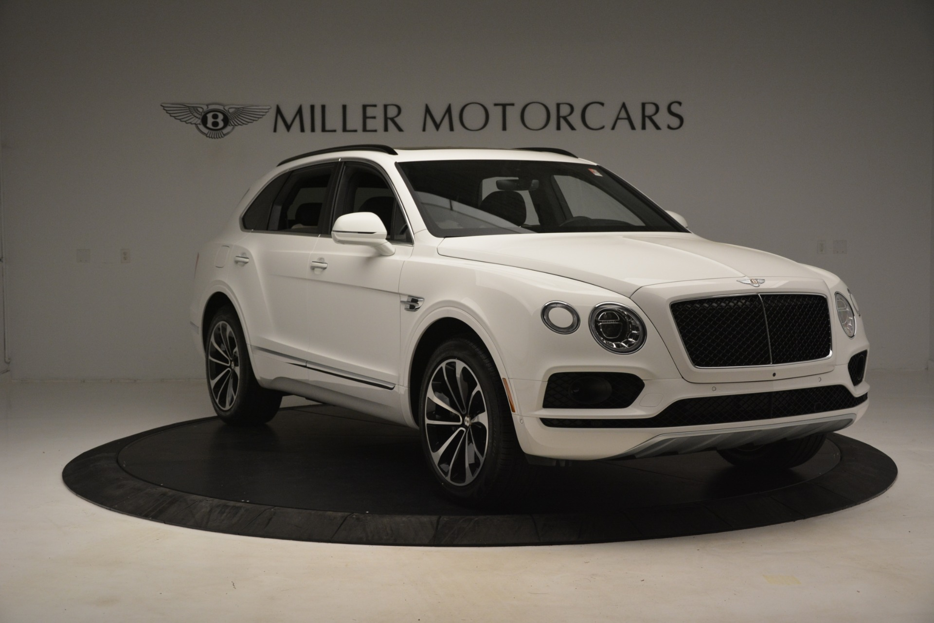 New 2019 Bentley Bentayga V8 For Sale In Greenwich, CT. Alfa Romeo of Greenwich, B1402 2937_p11