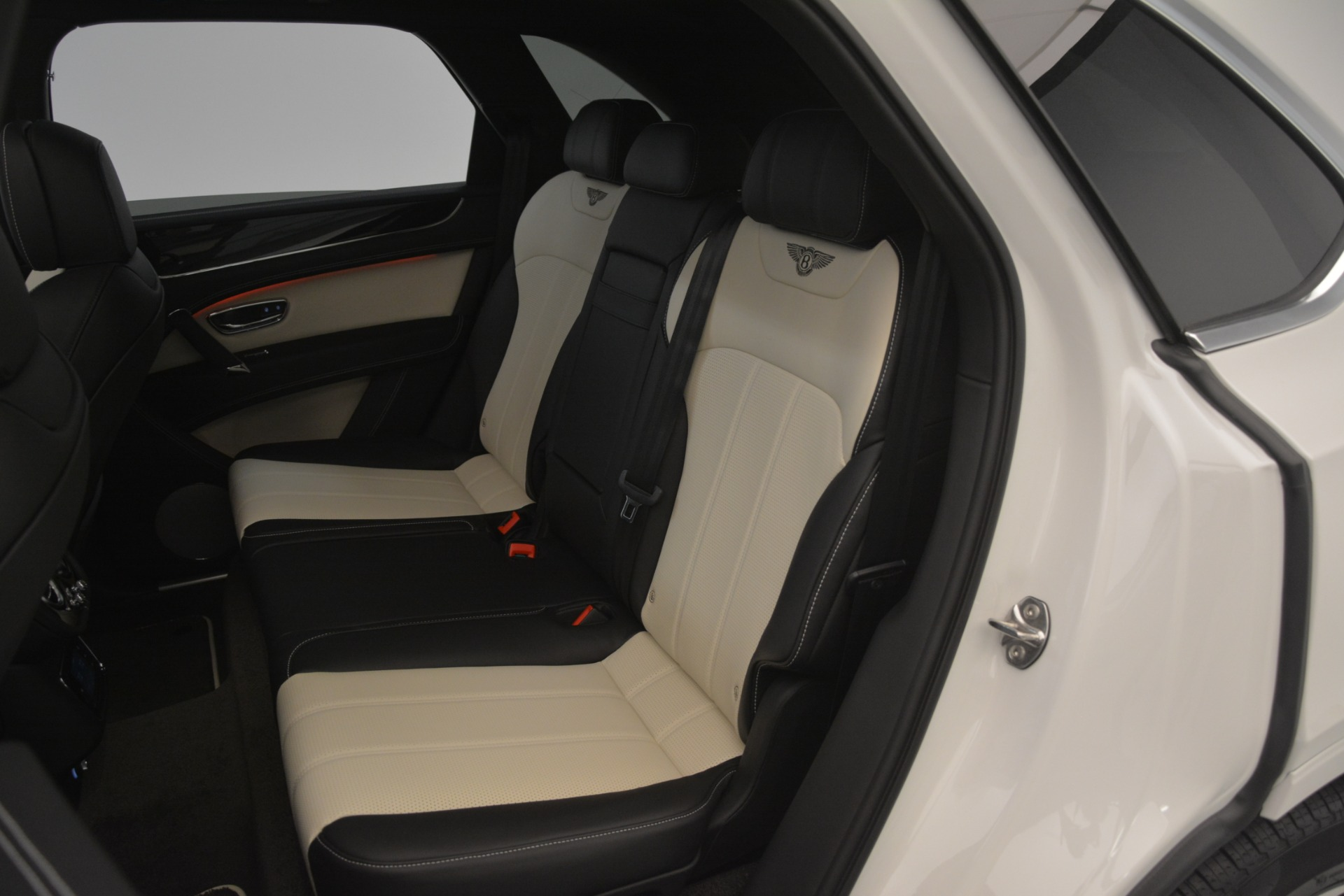 New 2019 Bentley Bentayga V8 For Sale In Greenwich, CT. Alfa Romeo of Greenwich, B1402 2937_p24