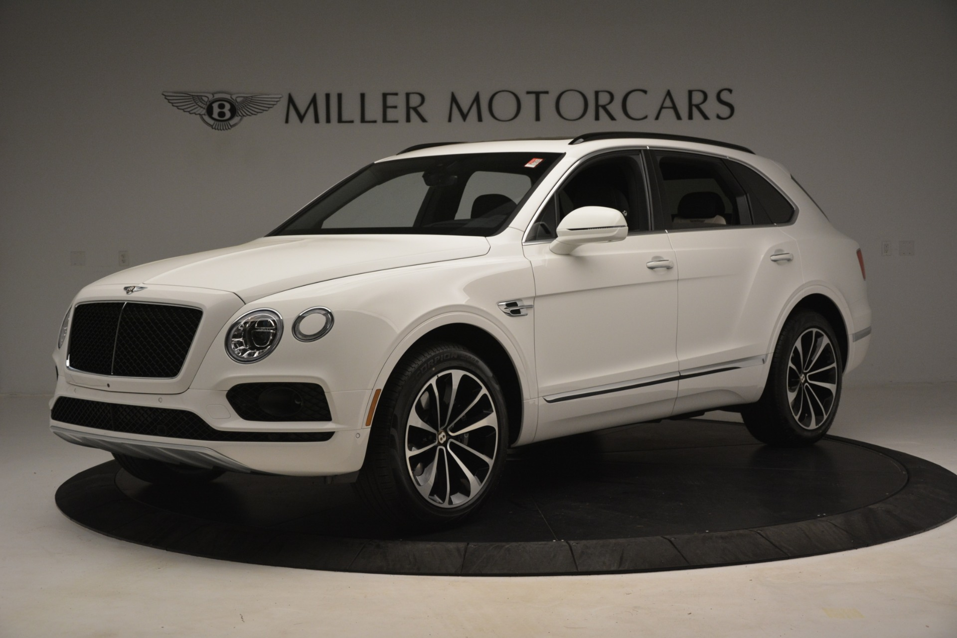 New 2019 Bentley Bentayga V8 For Sale In Greenwich, CT. Alfa Romeo of Greenwich, B1402 2937_p2