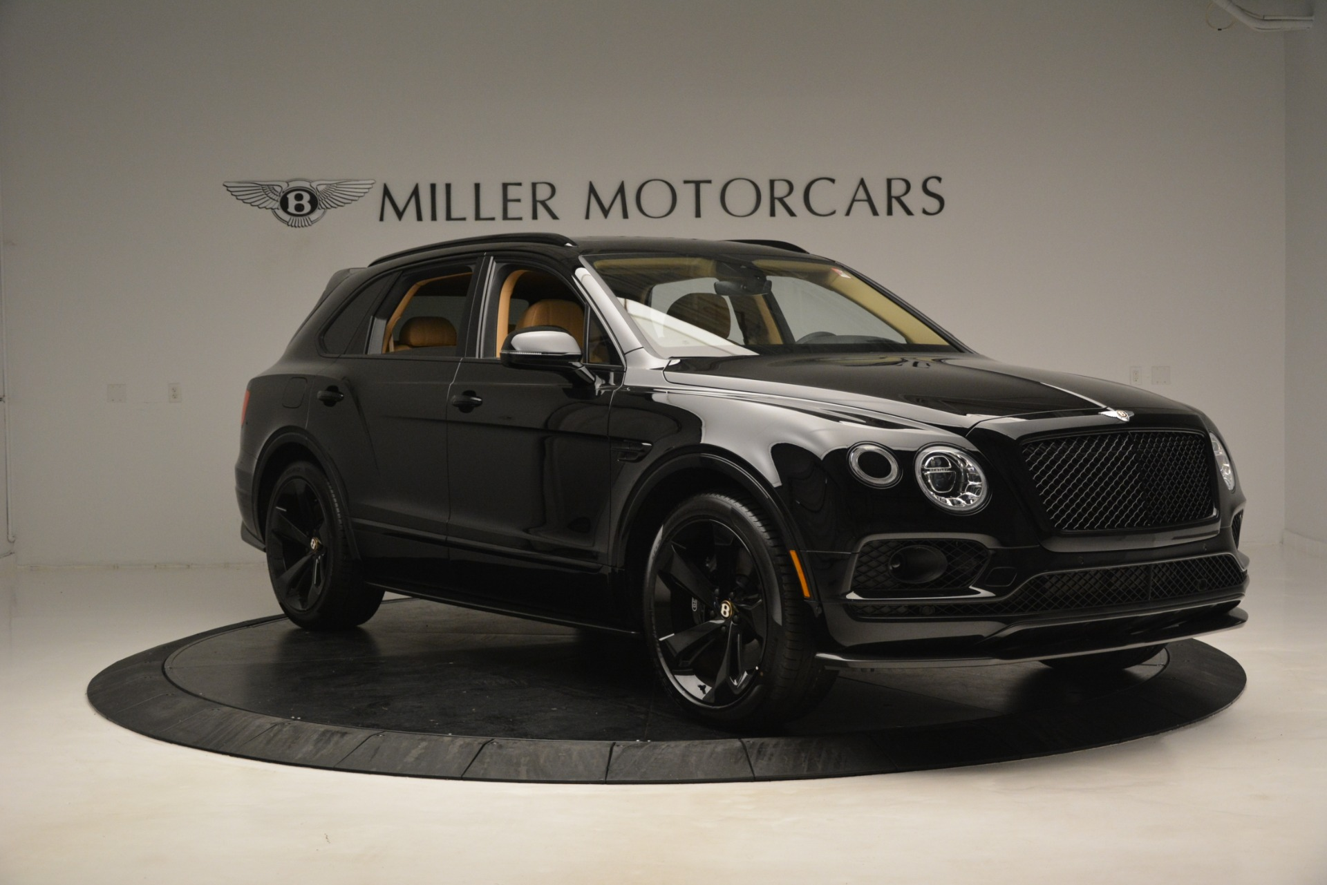 New 2019 Bentley Bentayga V8 For Sale In Greenwich, CT. Alfa Romeo of Greenwich, B1408 2939_p10