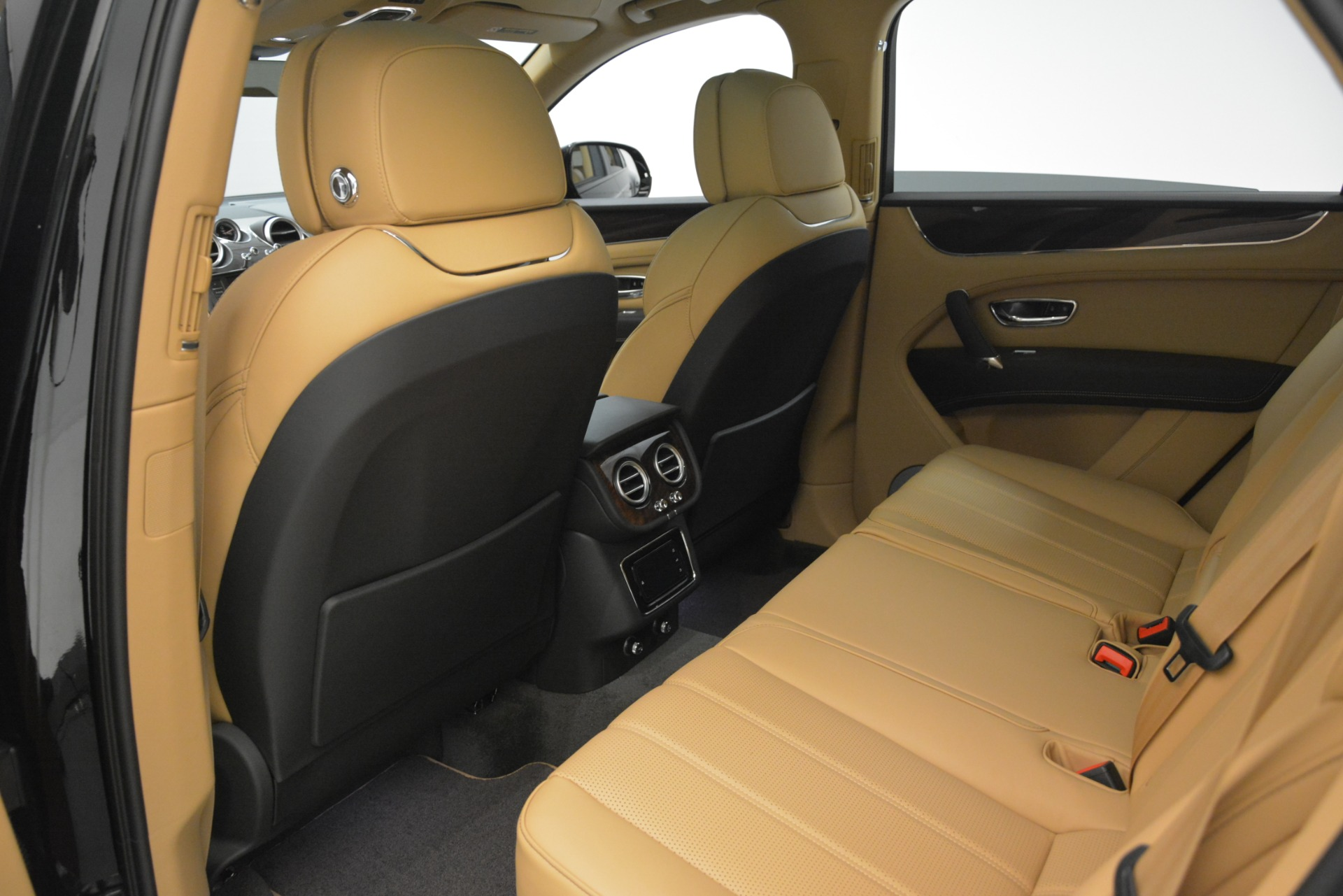 New 2019 Bentley Bentayga V8 For Sale In Greenwich, CT. Alfa Romeo of Greenwich, B1408 2939_p18