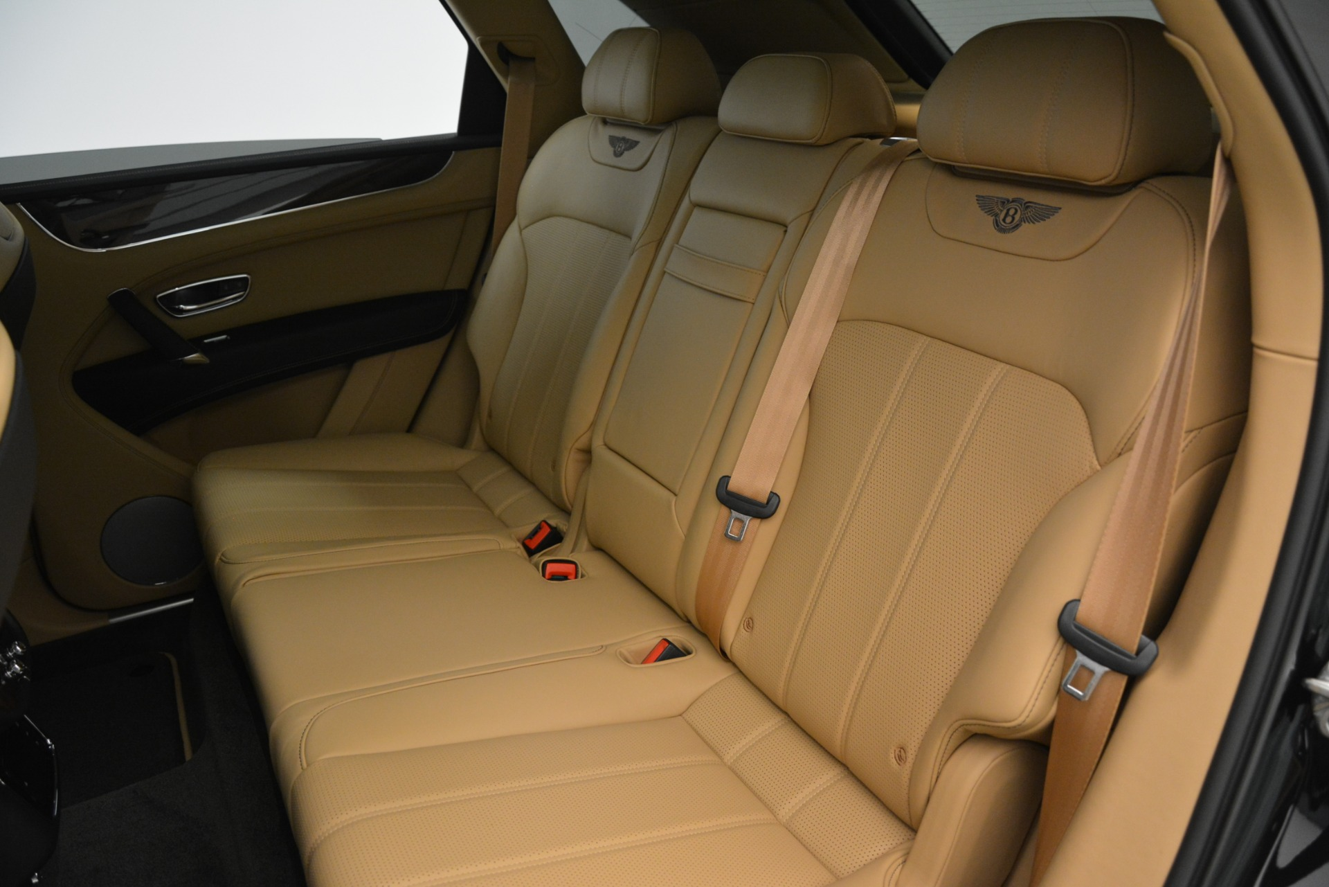 New 2019 Bentley Bentayga V8 For Sale In Greenwich, CT. Alfa Romeo of Greenwich, B1408 2939_p20