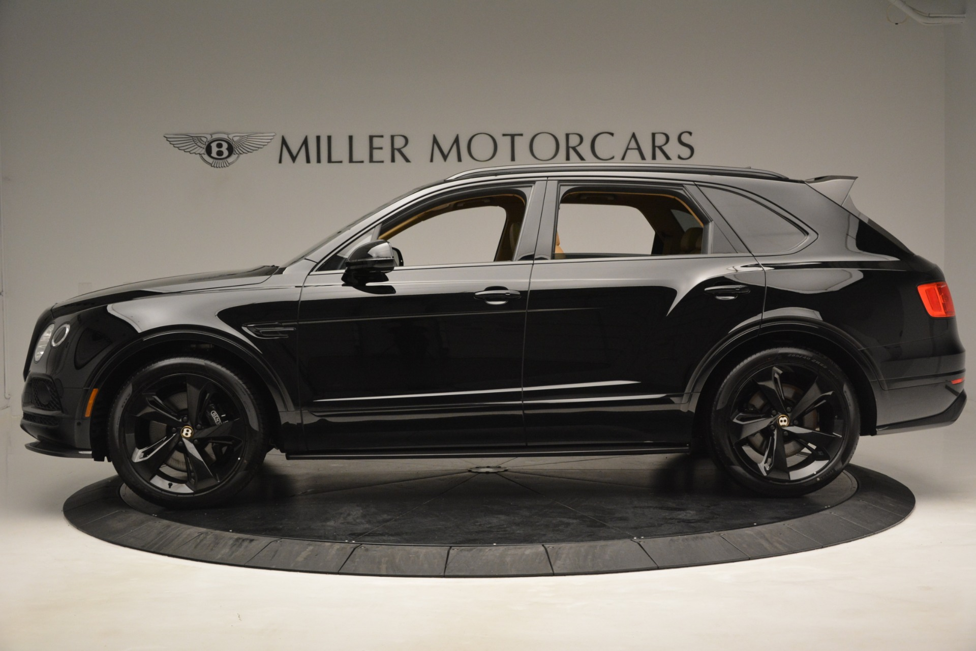 New 2019 Bentley Bentayga V8 For Sale In Greenwich, CT. Alfa Romeo of Greenwich, B1408 2939_p2