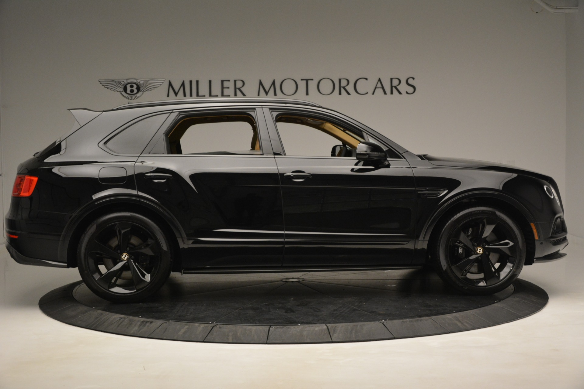 New 2019 Bentley Bentayga V8 For Sale In Greenwich, CT. Alfa Romeo of Greenwich, B1408 2939_p8