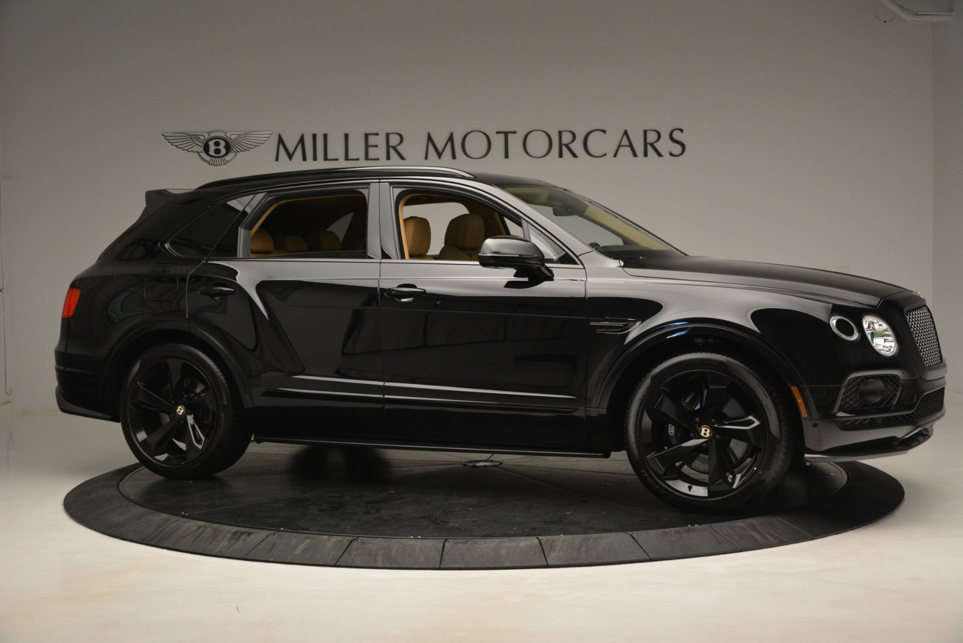 New 2019 Bentley Bentayga V8 For Sale In Greenwich, CT. Alfa Romeo of Greenwich, B1408 2939_p9