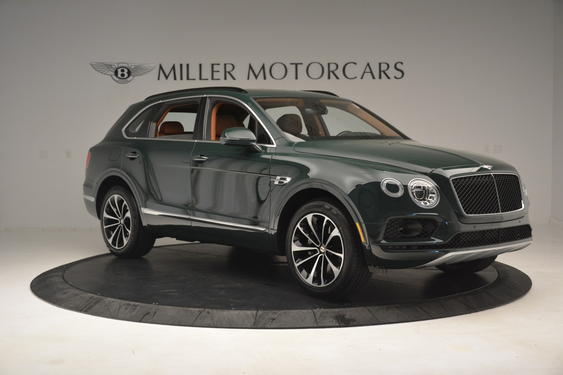 New 2019 Bentley Bentayga V8 For Sale In Greenwich, CT. Alfa Romeo of Greenwich, B1401 2940_p10