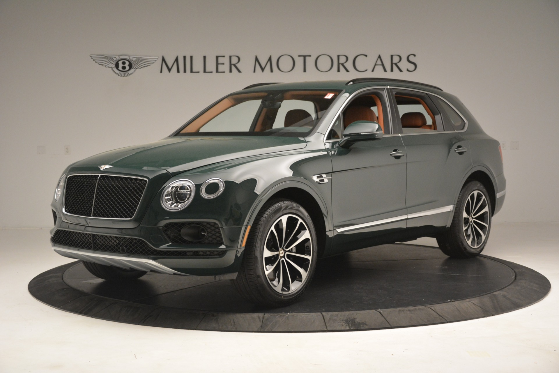 New 2019 Bentley Bentayga V8 For Sale In Greenwich, CT. Alfa Romeo of Greenwich, B1401 2940_p2