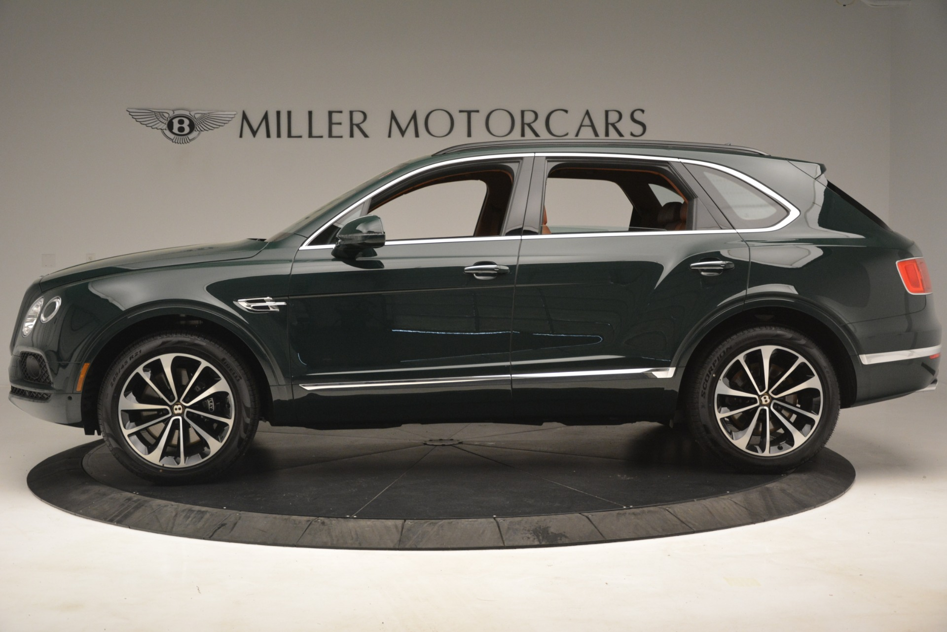 New 2019 Bentley Bentayga V8 For Sale In Greenwich, CT. Alfa Romeo of Greenwich, B1401 2940_p3