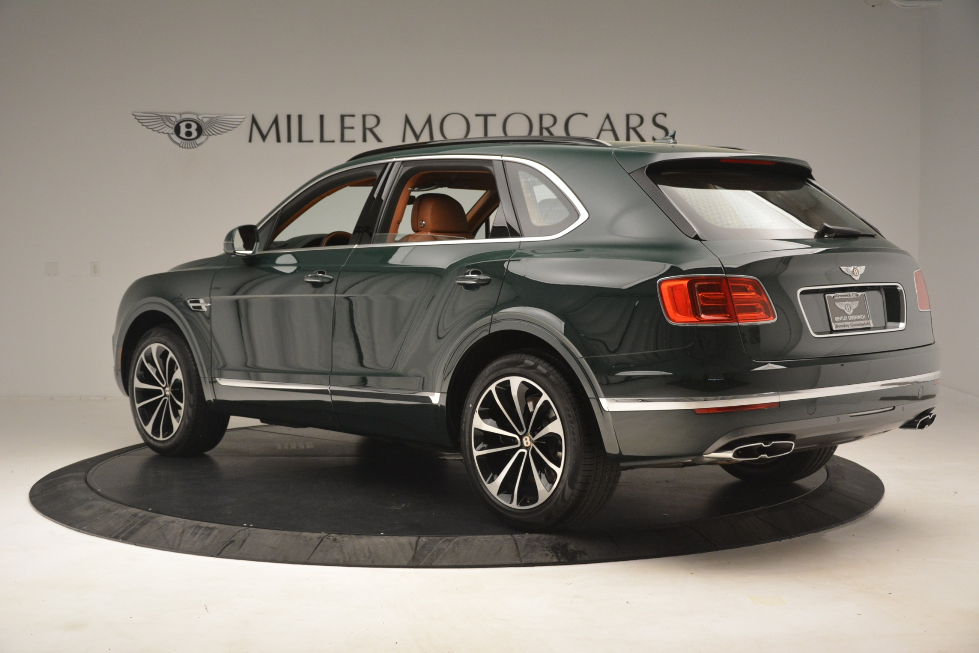 New 2019 Bentley Bentayga V8 For Sale In Greenwich, CT. Alfa Romeo of Greenwich, B1401 2940_p4