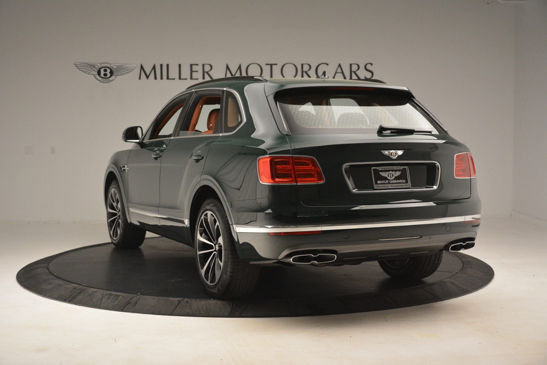 New 2019 Bentley Bentayga V8 For Sale In Greenwich, CT. Alfa Romeo of Greenwich, B1401 2940_p5
